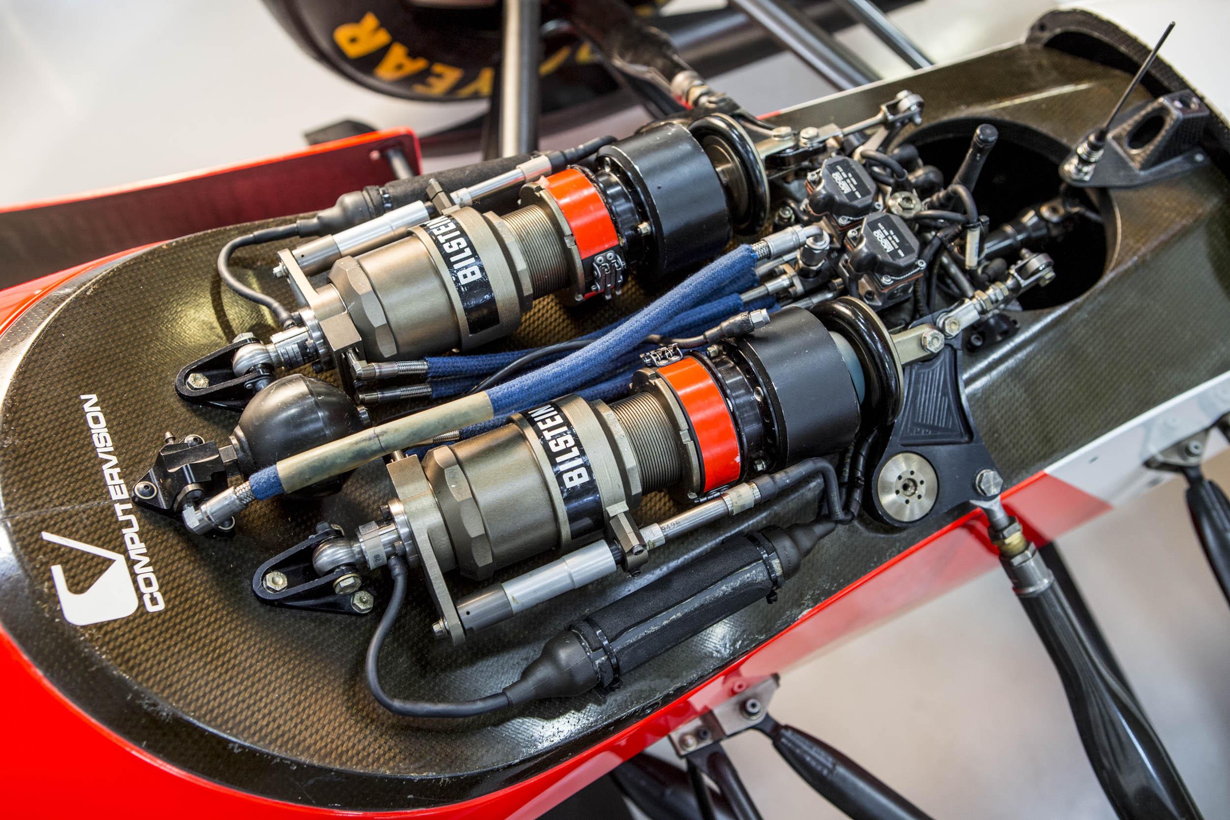 1993 McLaren MP4/8A engine parts