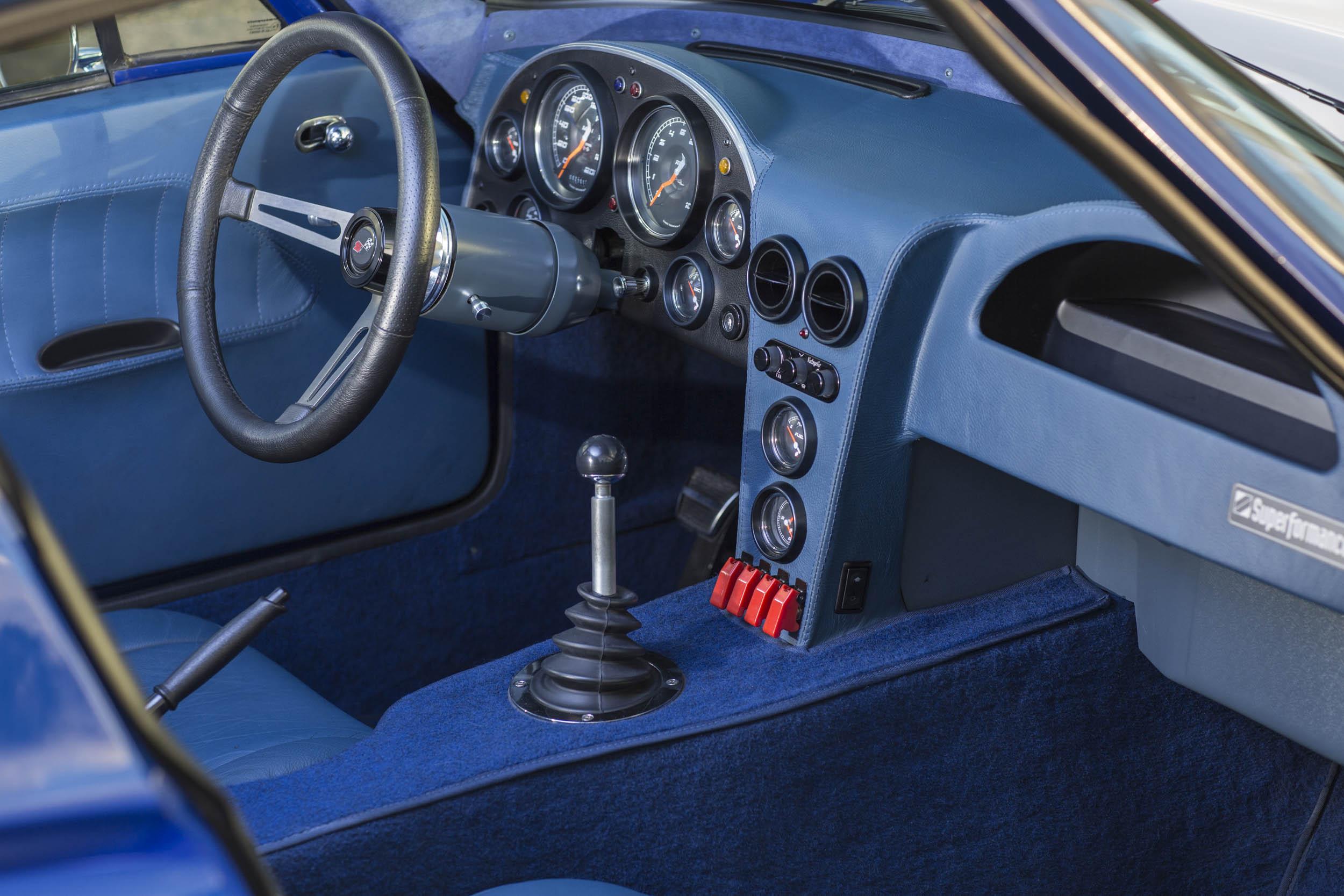 Superformance Corvette Grand Sport interior