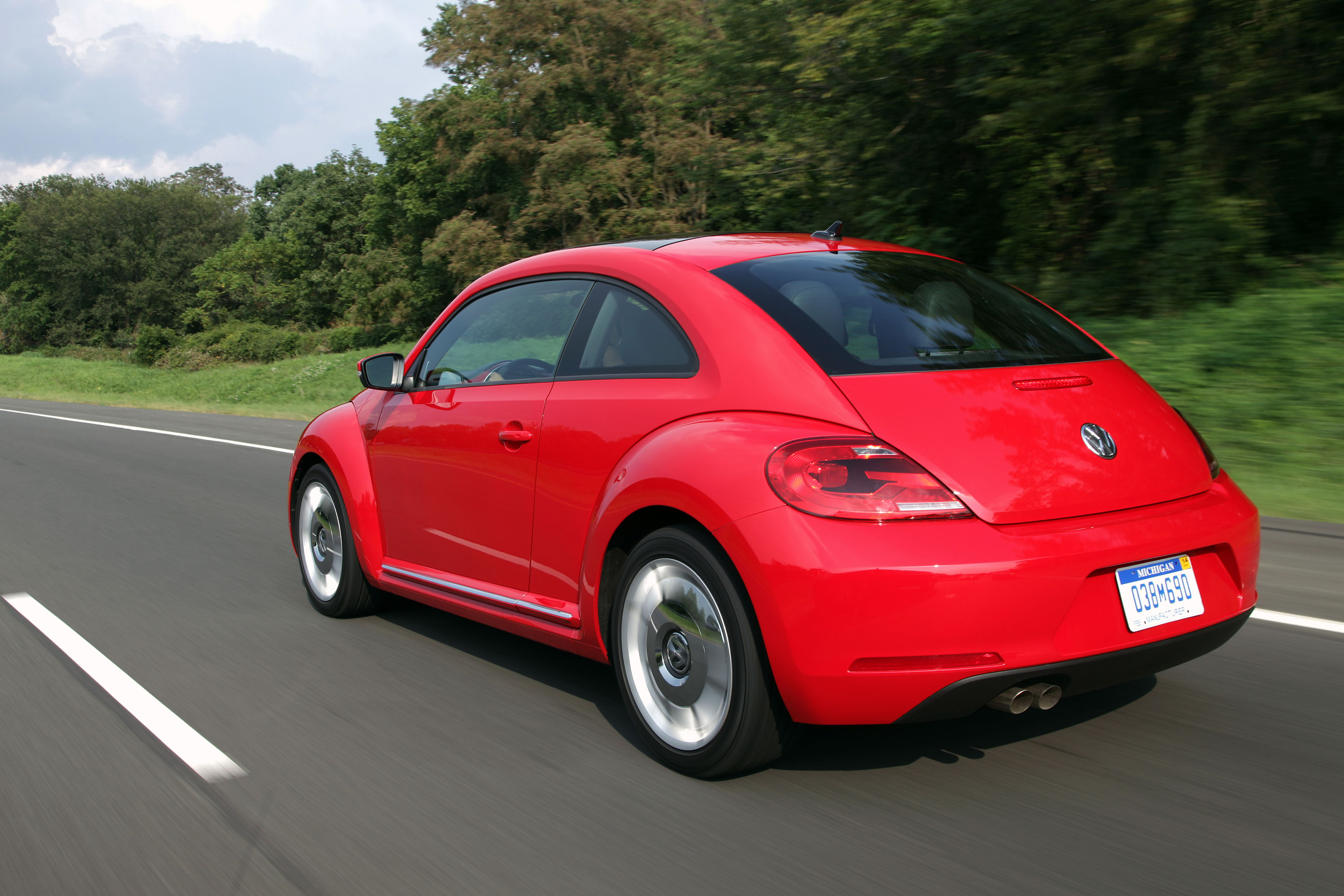 2012 Volkswagen Beetle rear 3/4