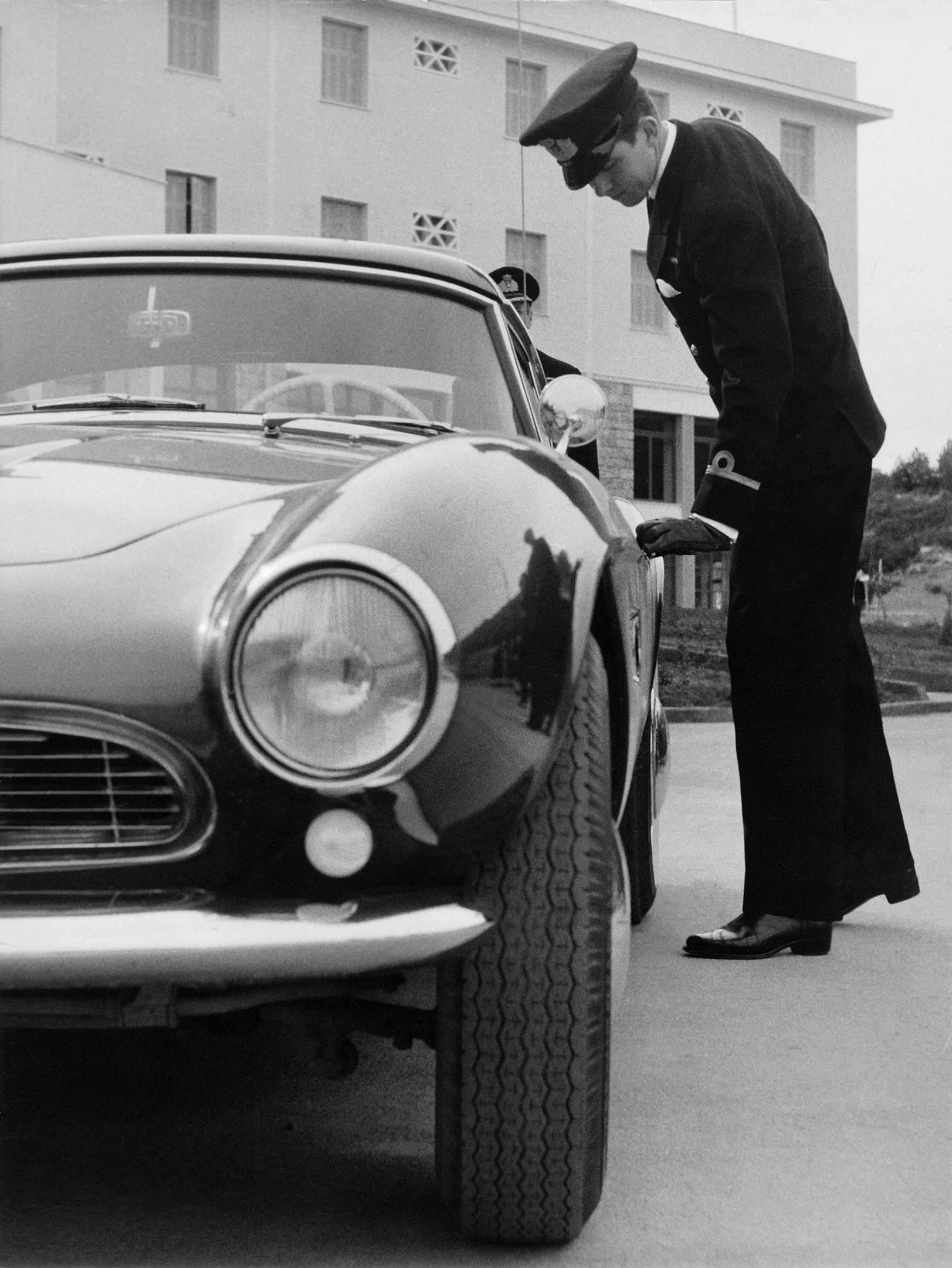 1959 BMW 507 Roadster headlight detail