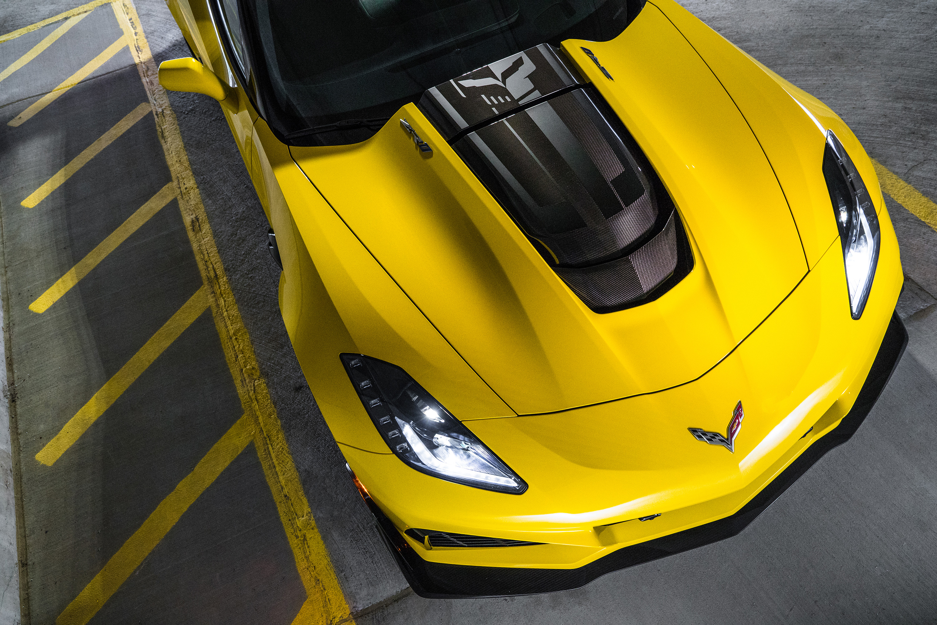 2019 chevy corvette zr1 yellow hood headlights