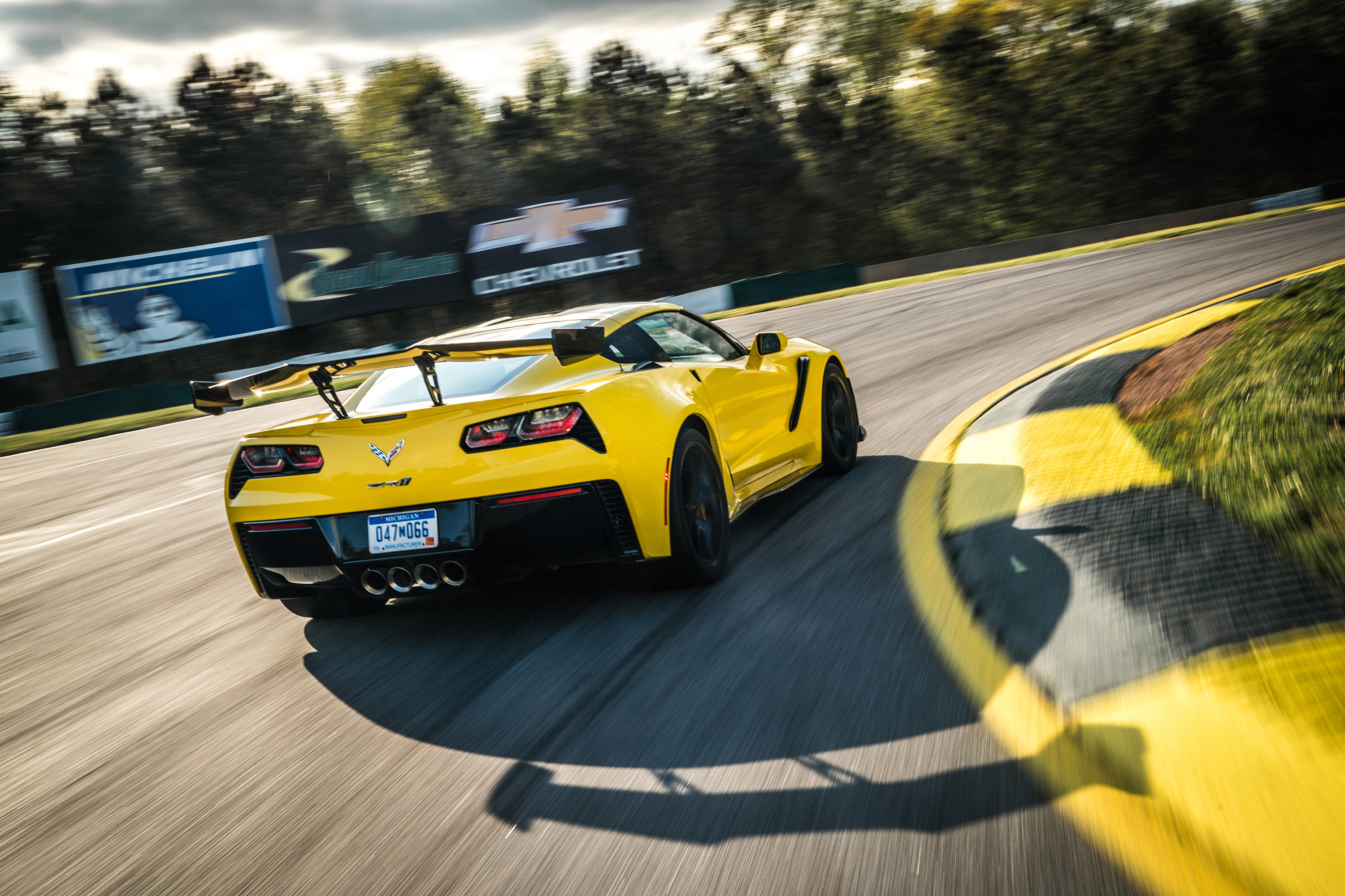 2019 chevy corvette z06 road atlanta yellow track rear wing