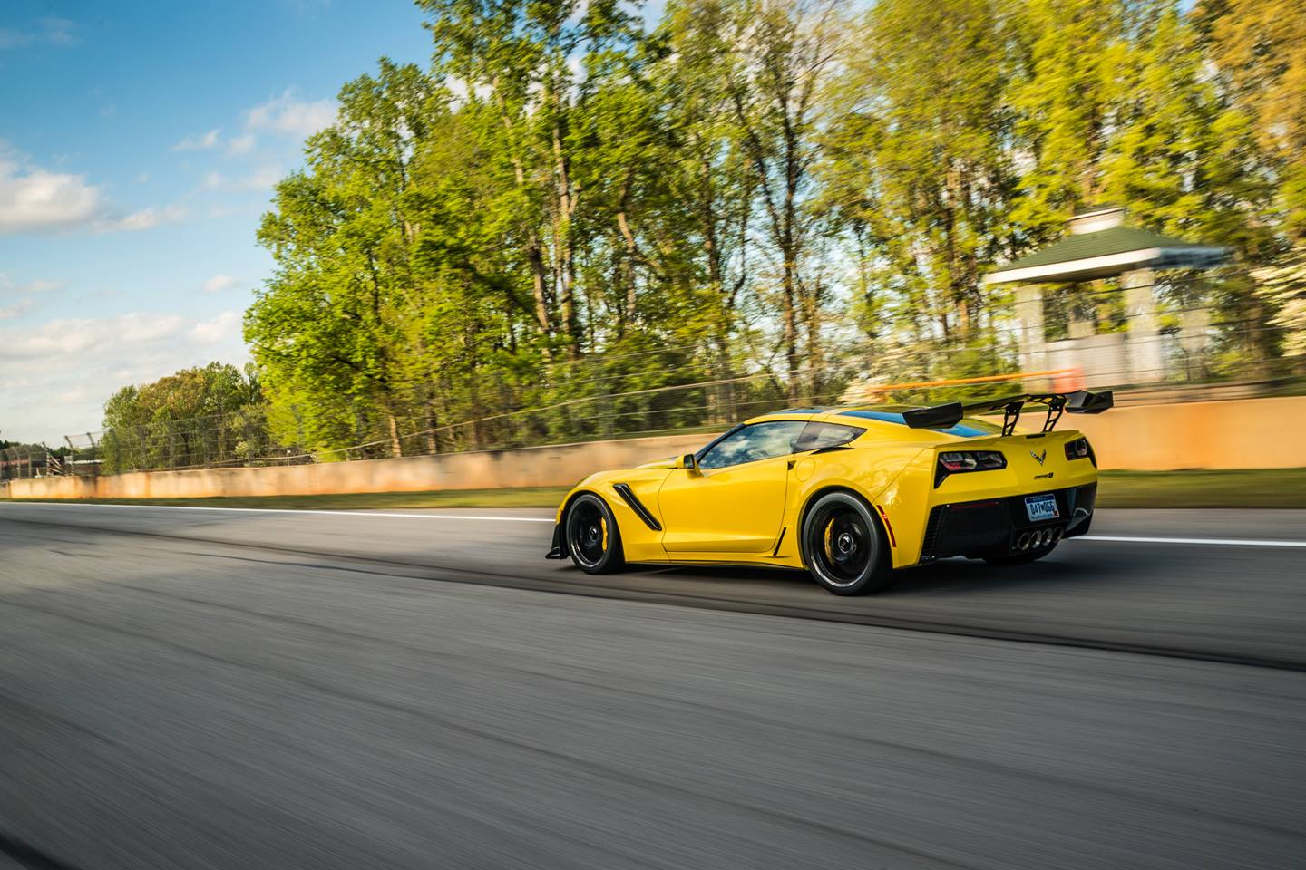 2019 chevrolet corvette zr1 side yellow track