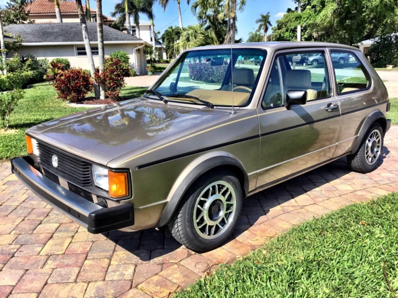 1983 Volkswagen Rabbit front 3/4