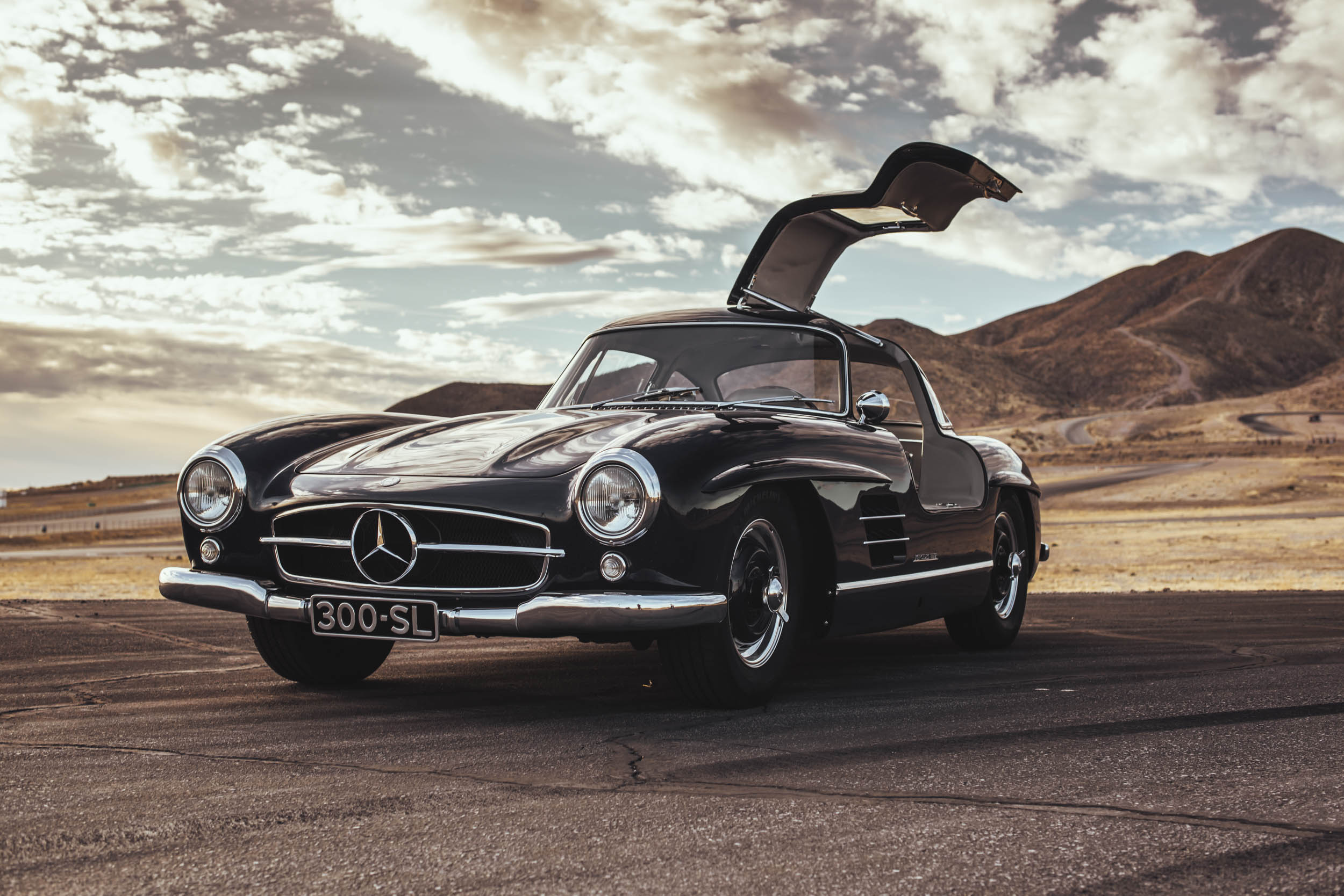 1955 Mercedes-Benz 300 SL Gullwing door up