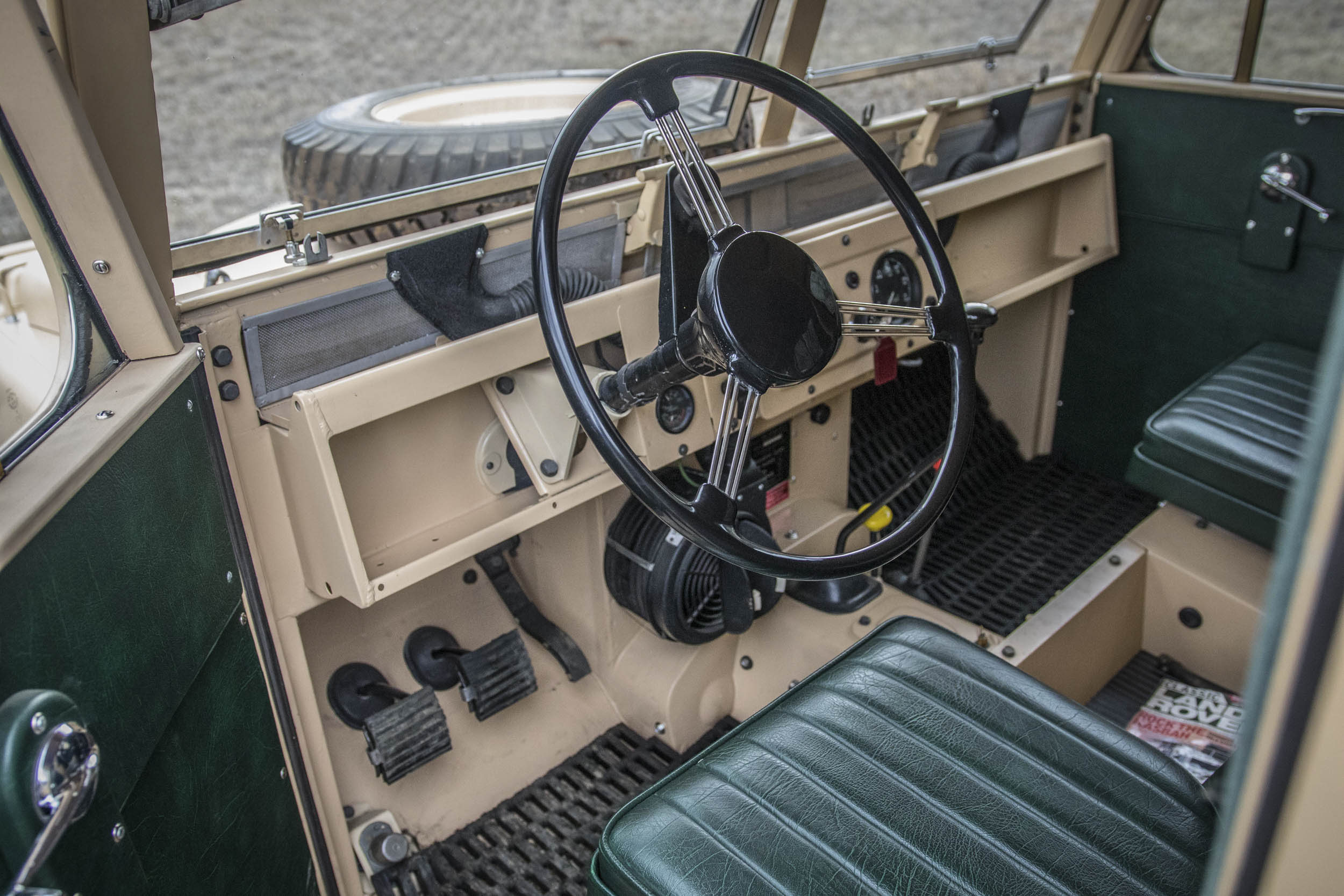 1957 Land Rover the Grizzly Torque interior