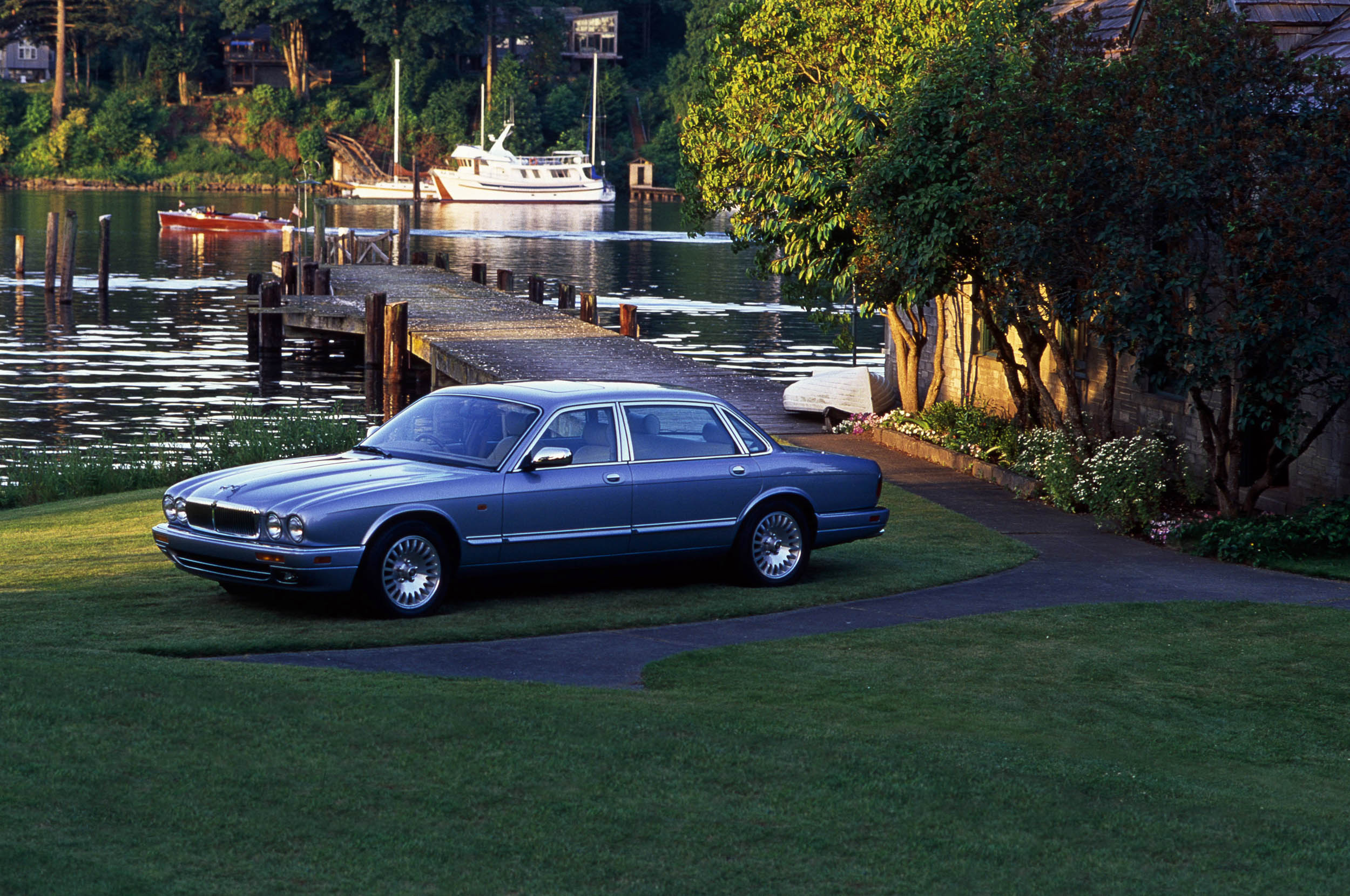 1996 XJ12
