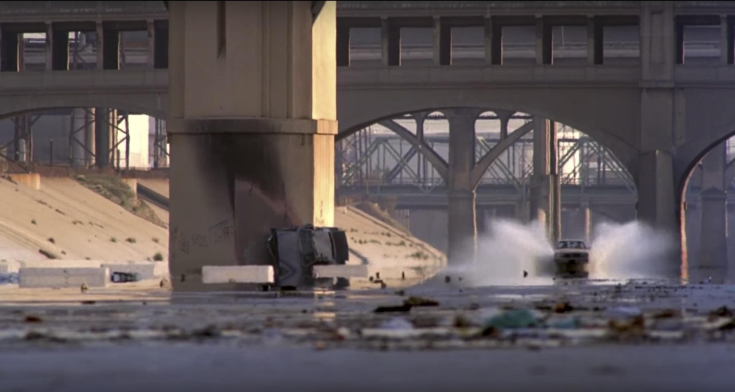 Live and Die in LA, LA river driving scene