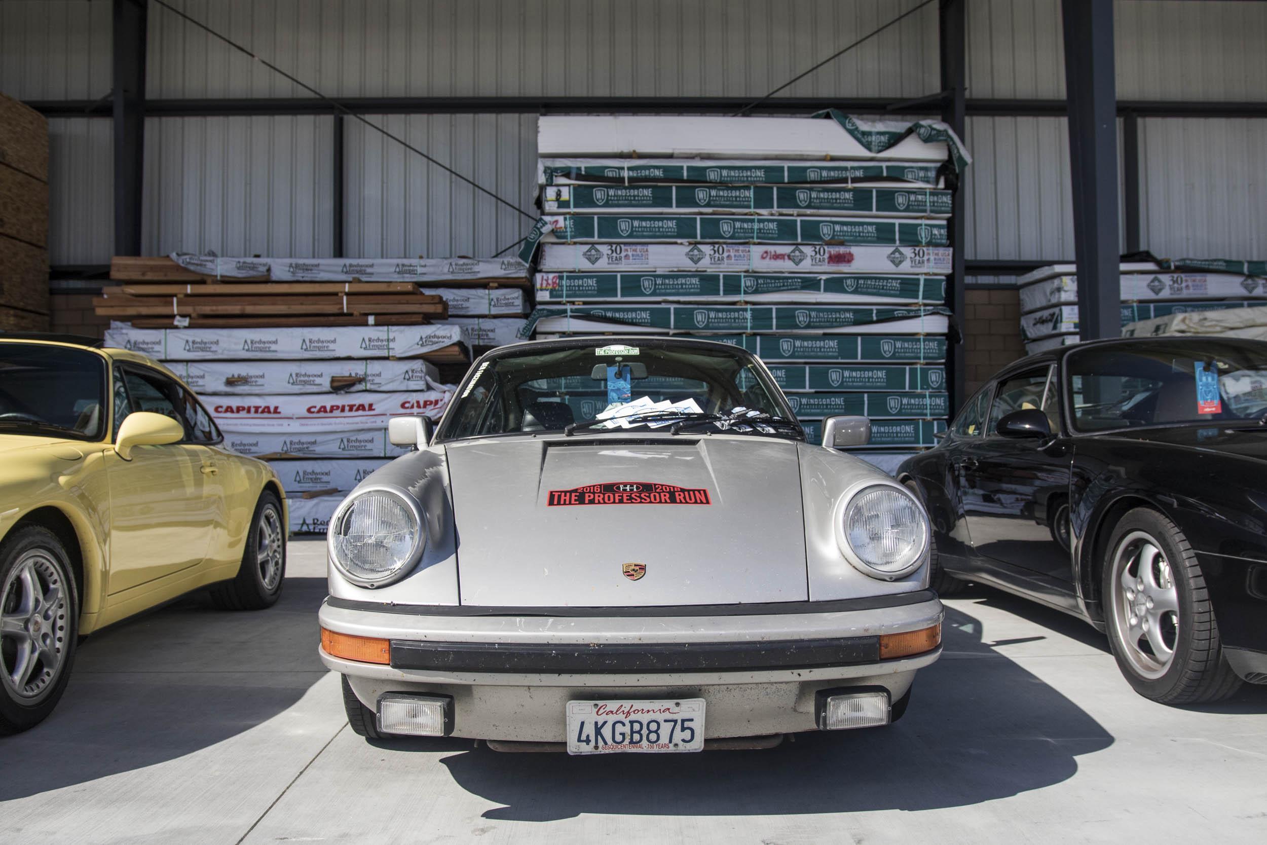 line of Porsche 911s