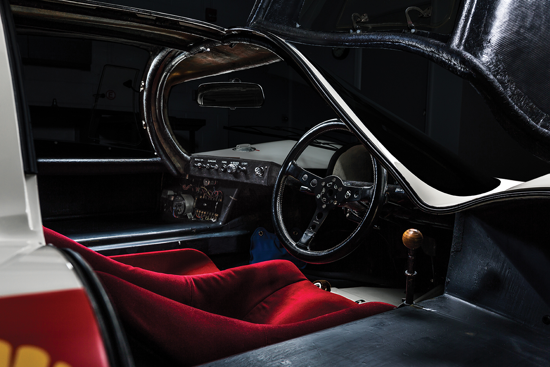 Porsche 907 interior