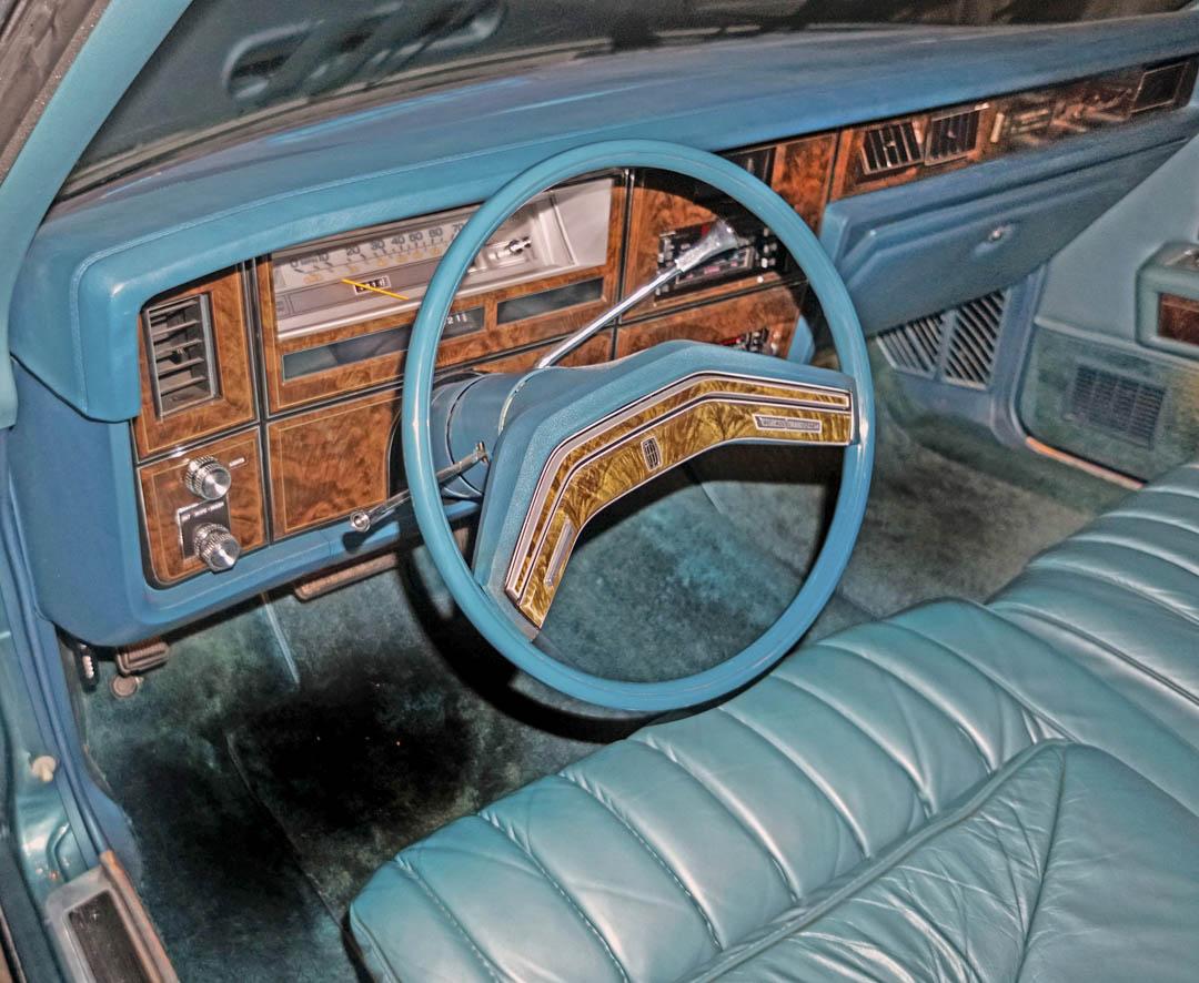 1979 Lincoln Continental Town Car interior