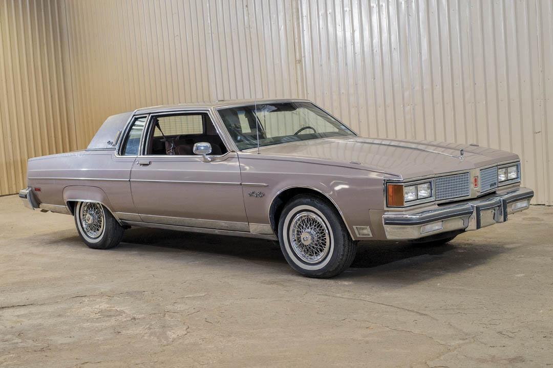 1984 Oldsmobile 98 Regency Coupe front 3/4