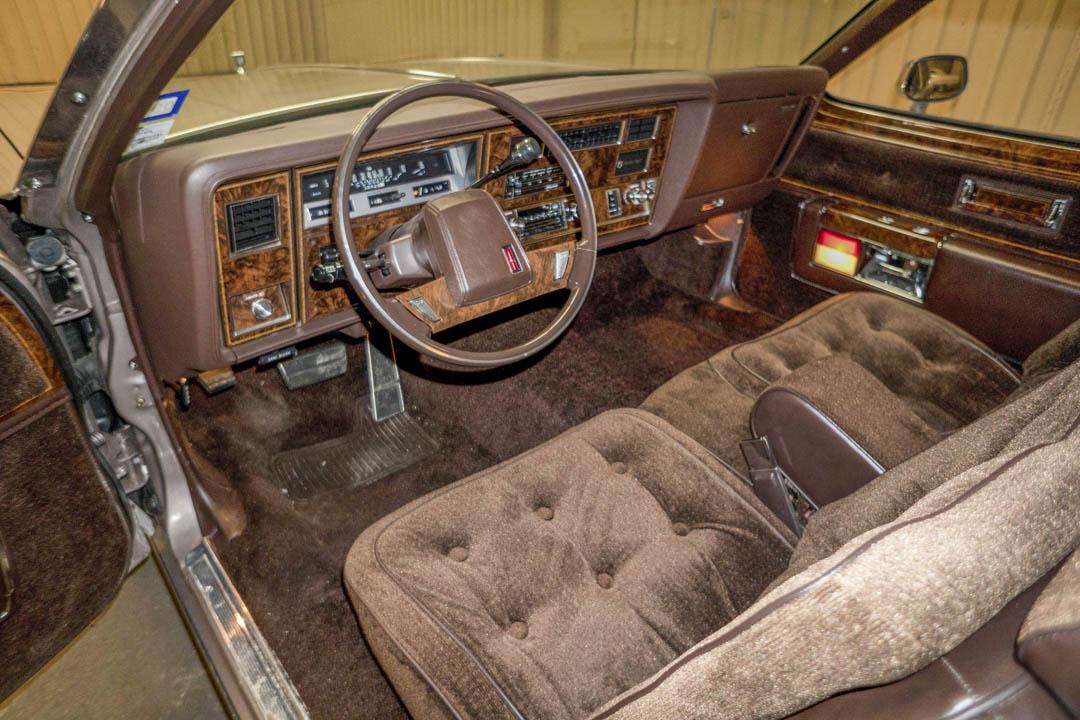 1984 Oldsmobile 98 Regency Coupe interior