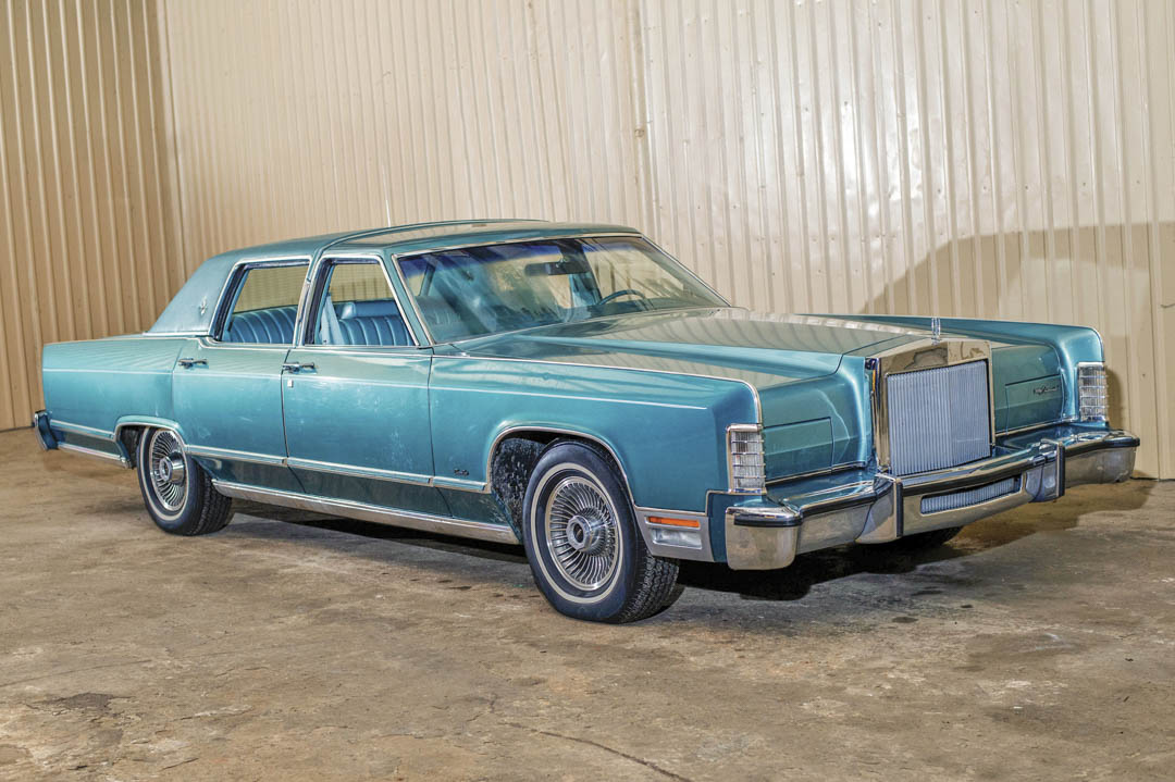 1979 Lincoln Continental Town Car front 3/4