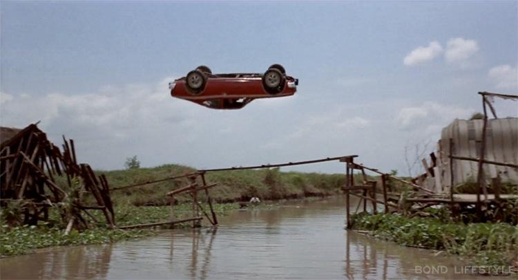 The 5 worst James Bond cars thumbnail