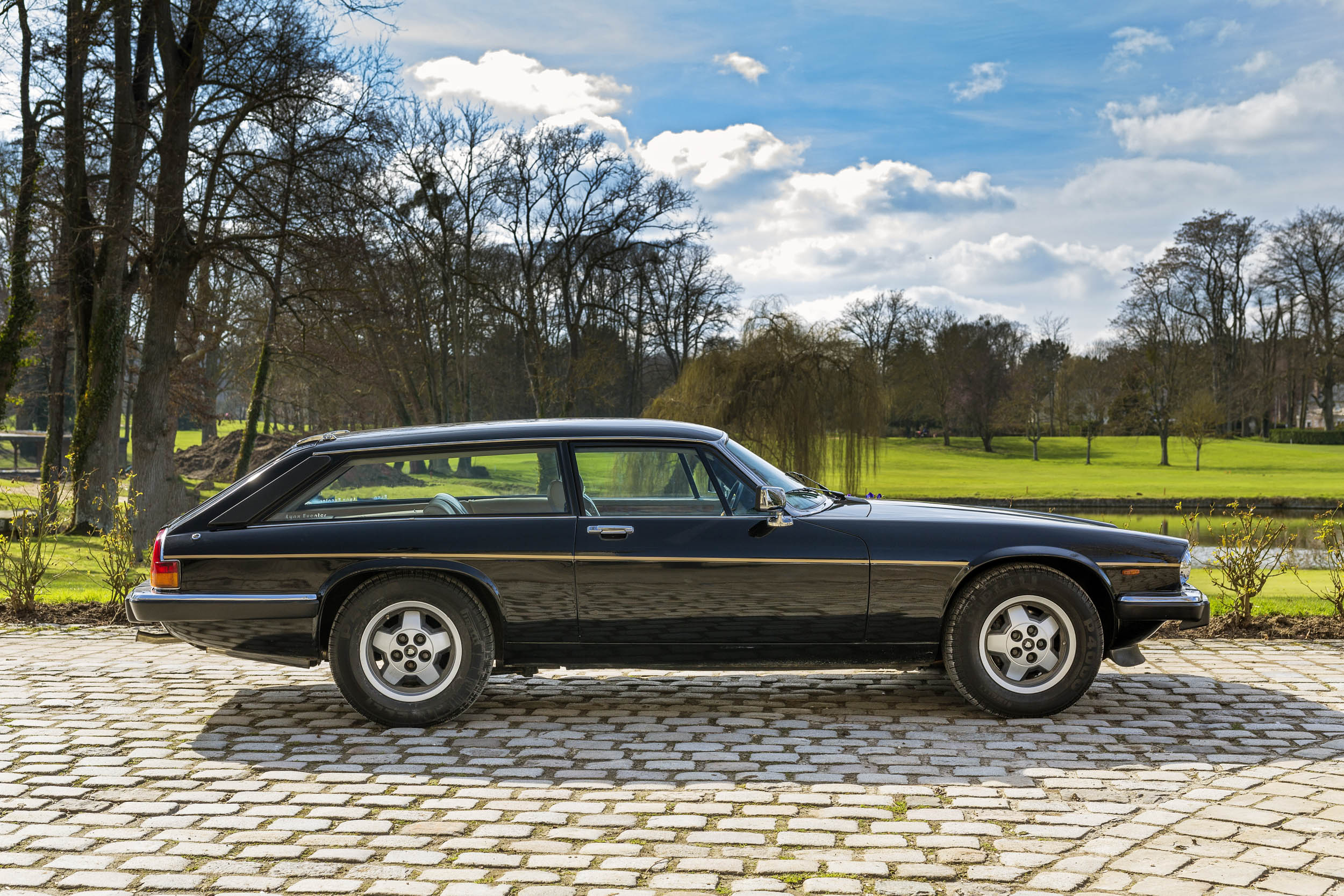 1984 Jaguar XJ-S V12 Lynx Eventer profile