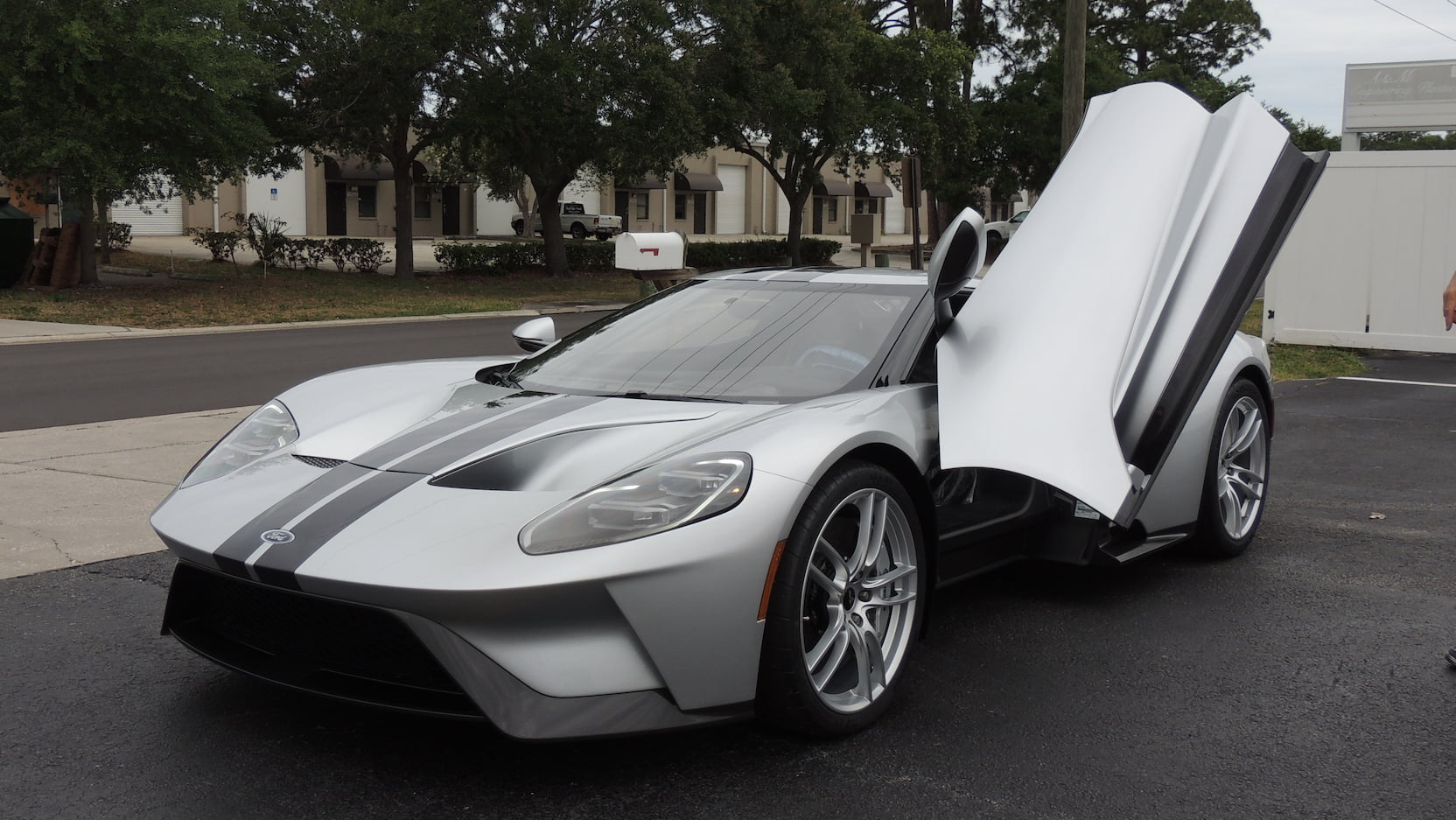 2017 Ford GT front 3/4 with the door up
