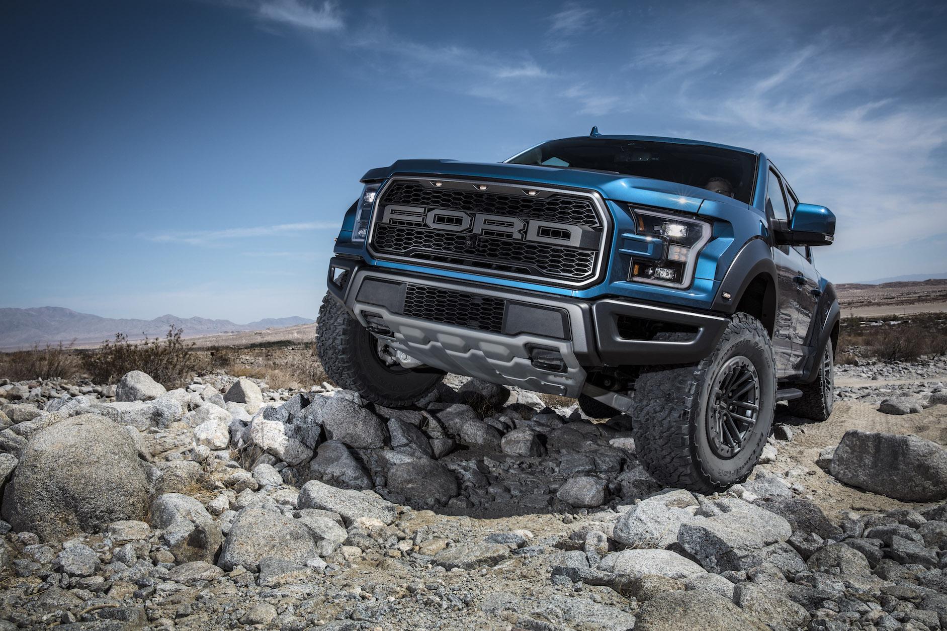 2019 Ford F-150 Raptor Rock Crawling