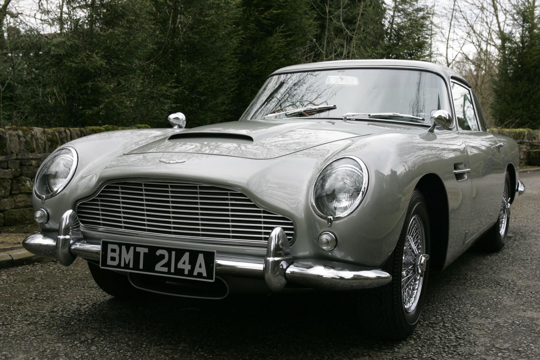 1965 Aston Martin DB5 low 3/4