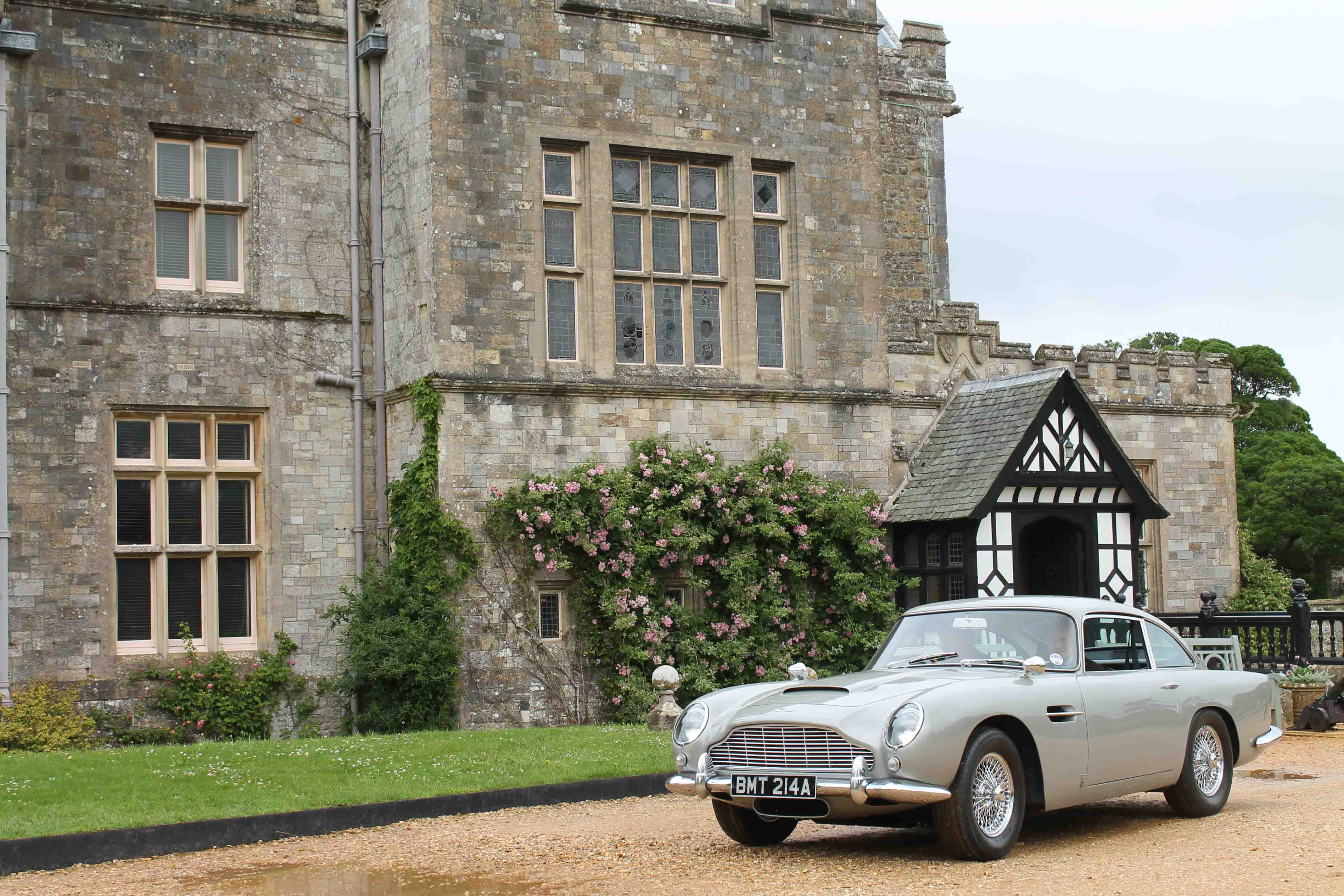 Here's your chance to own James Bond's Aston Martin DB5 from Goldeneye thumbnail