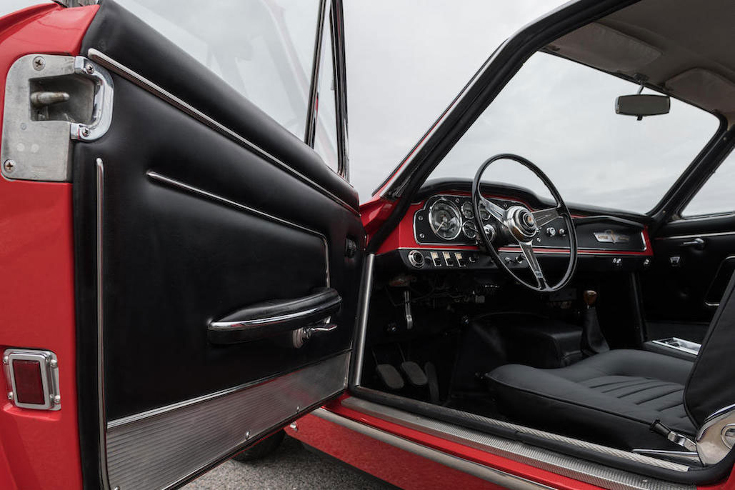 Maserati Sebring 3500GTi door panel and interior