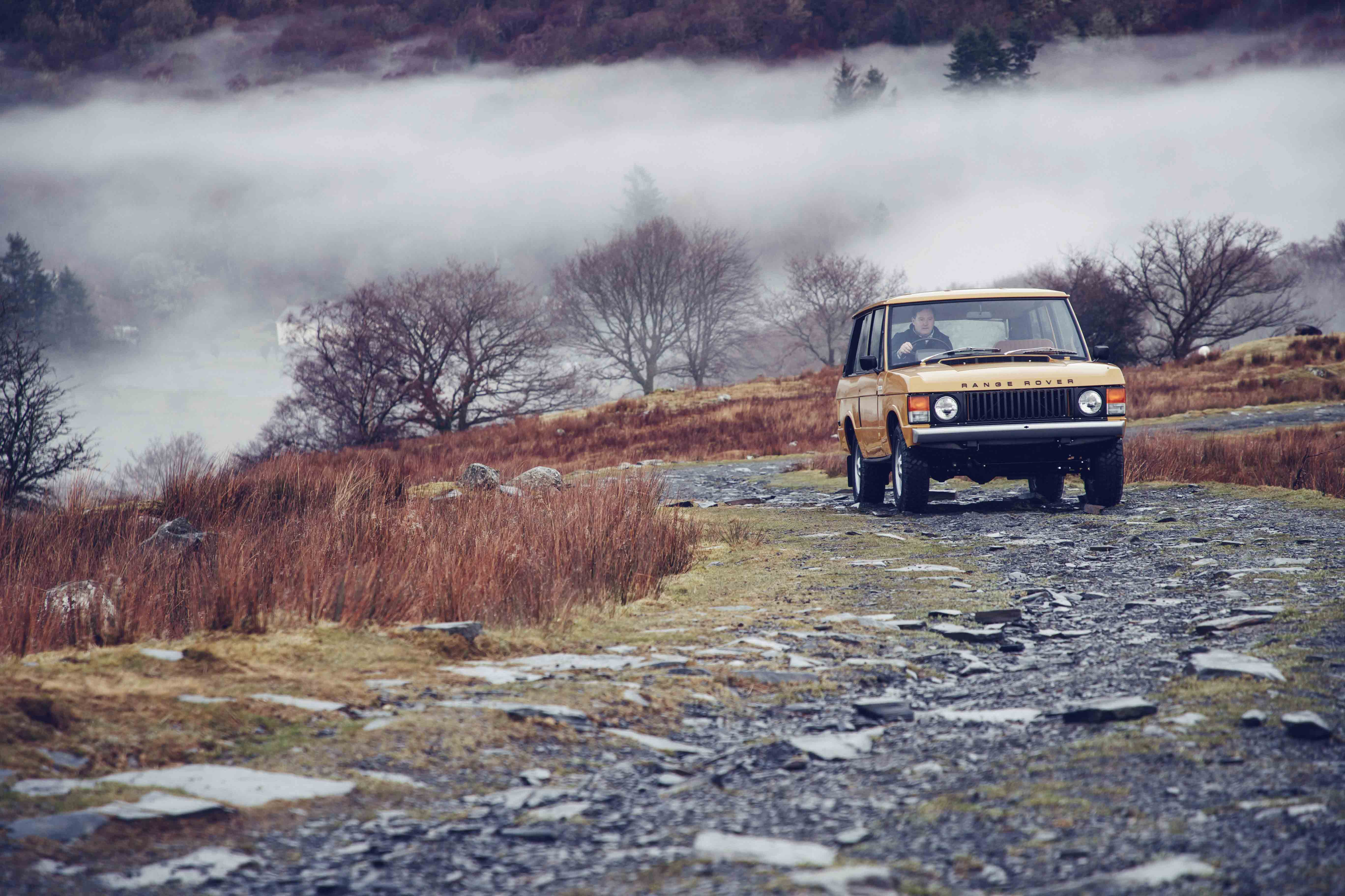 Factory-restored 1978 three-door Range Rover Classic on the move
