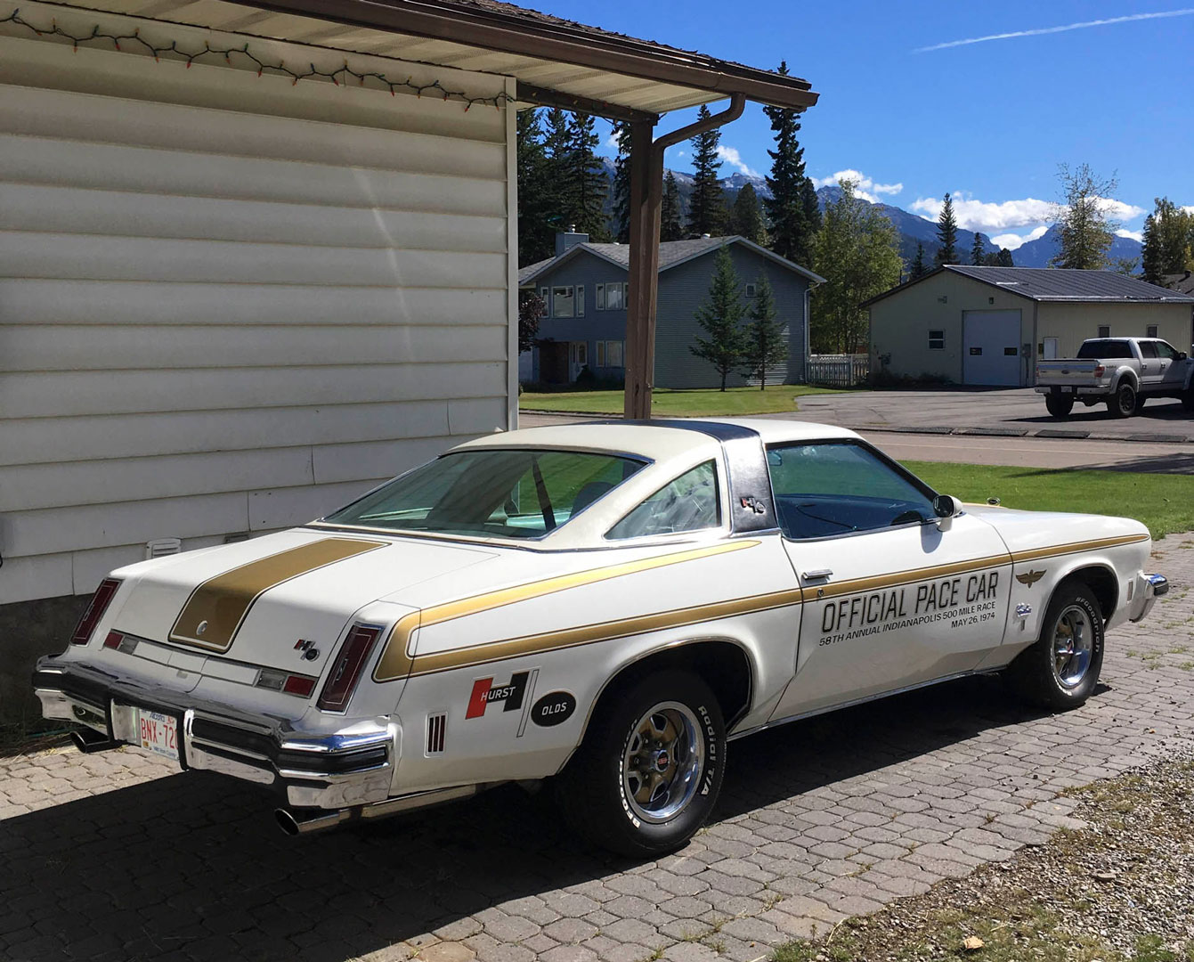 1974 Oldsmobile Cutlass Hurst/Olds Pace Car