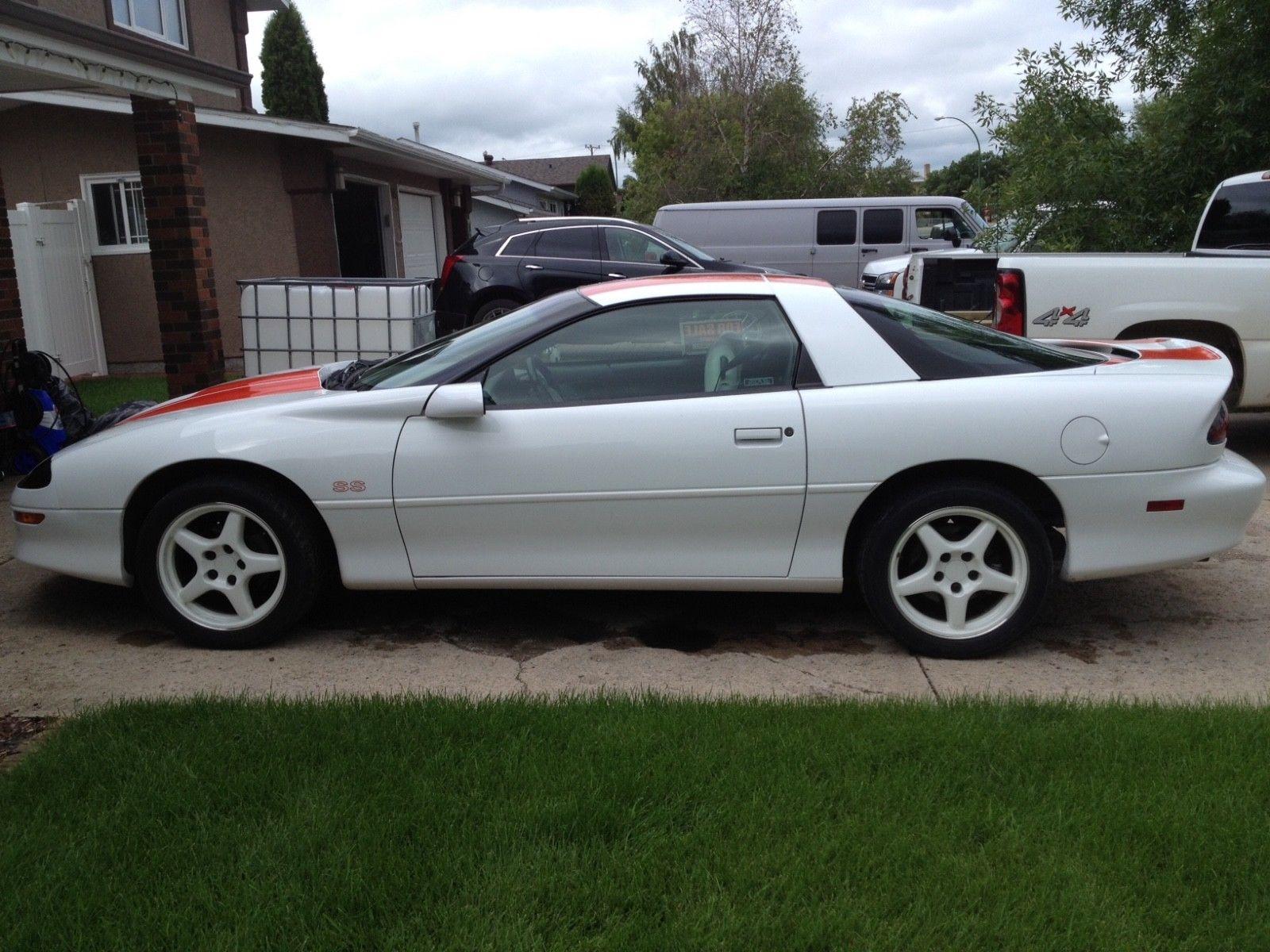 1997 Chevrolet Camaro hardtop profile
