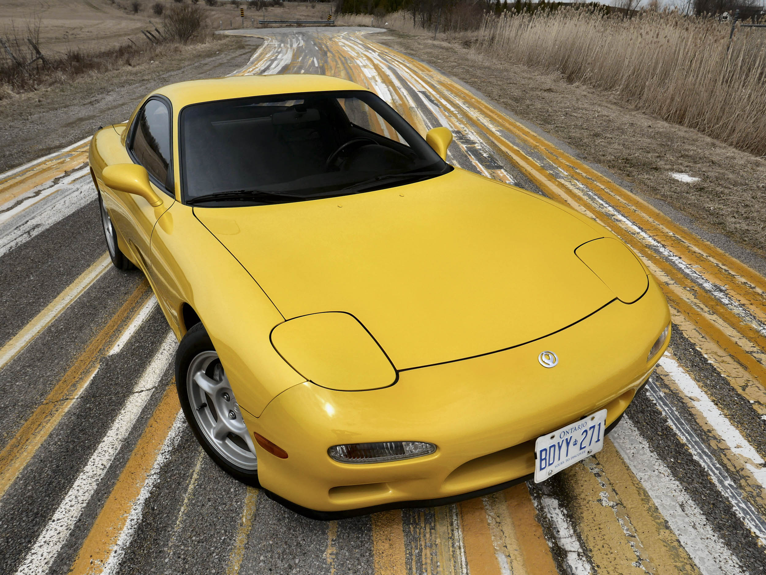 Retro Rewind: Driving Mazda's RX-7 FD rotary wunderkind thumbnail