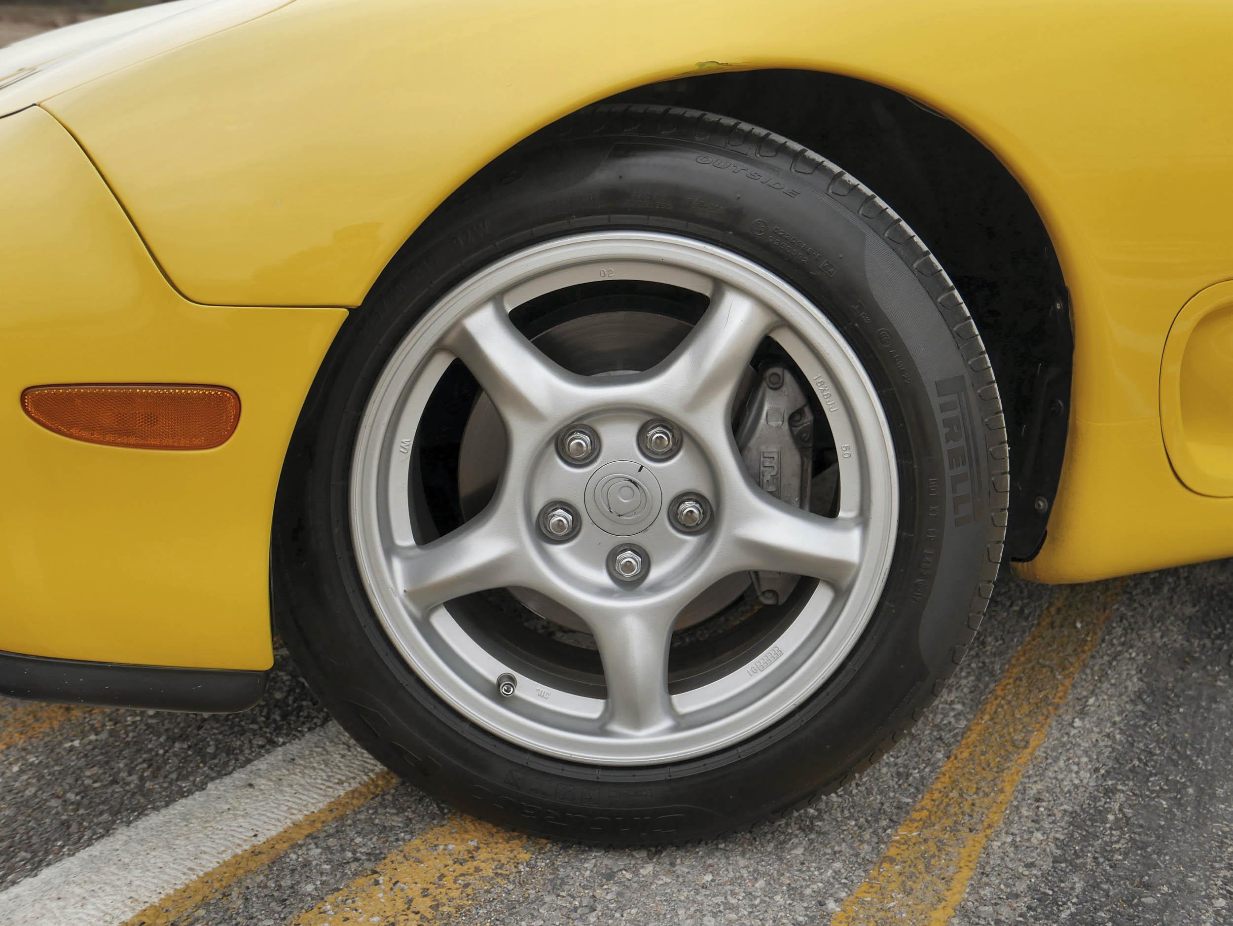 Mazda RX-7 wheel detail