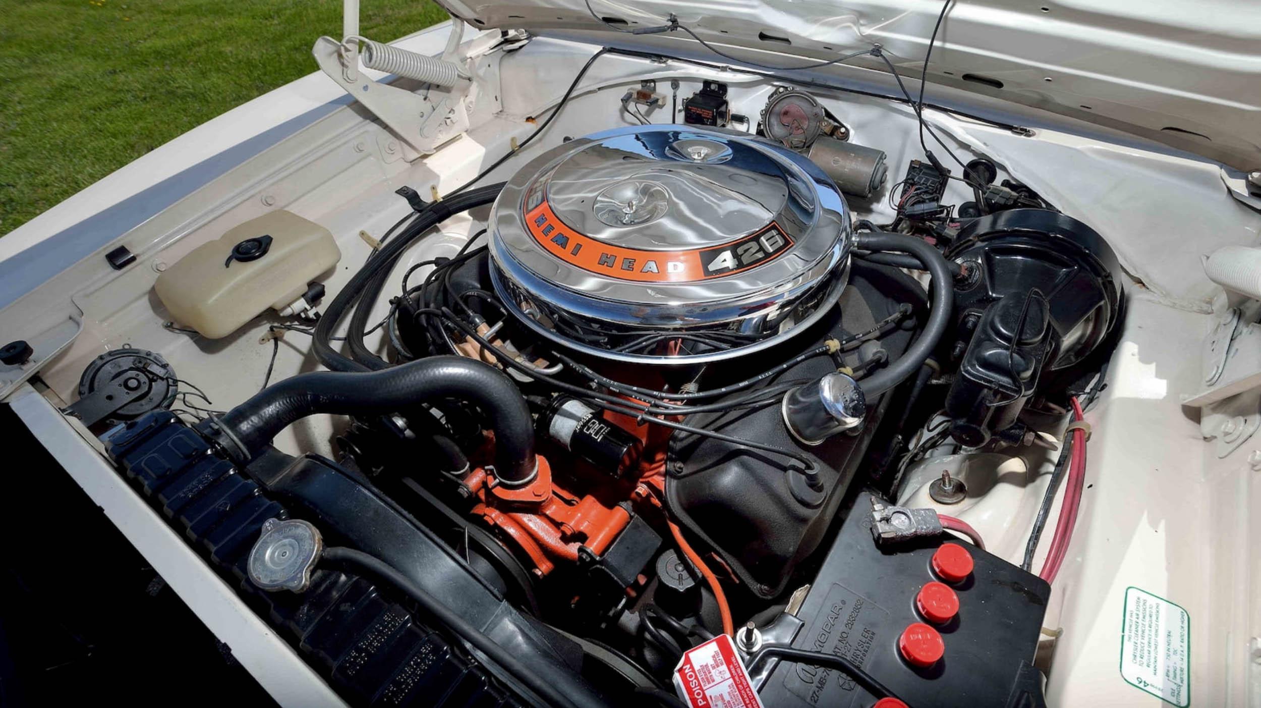 1969 Dodge Charger 500 Hemi Engine
