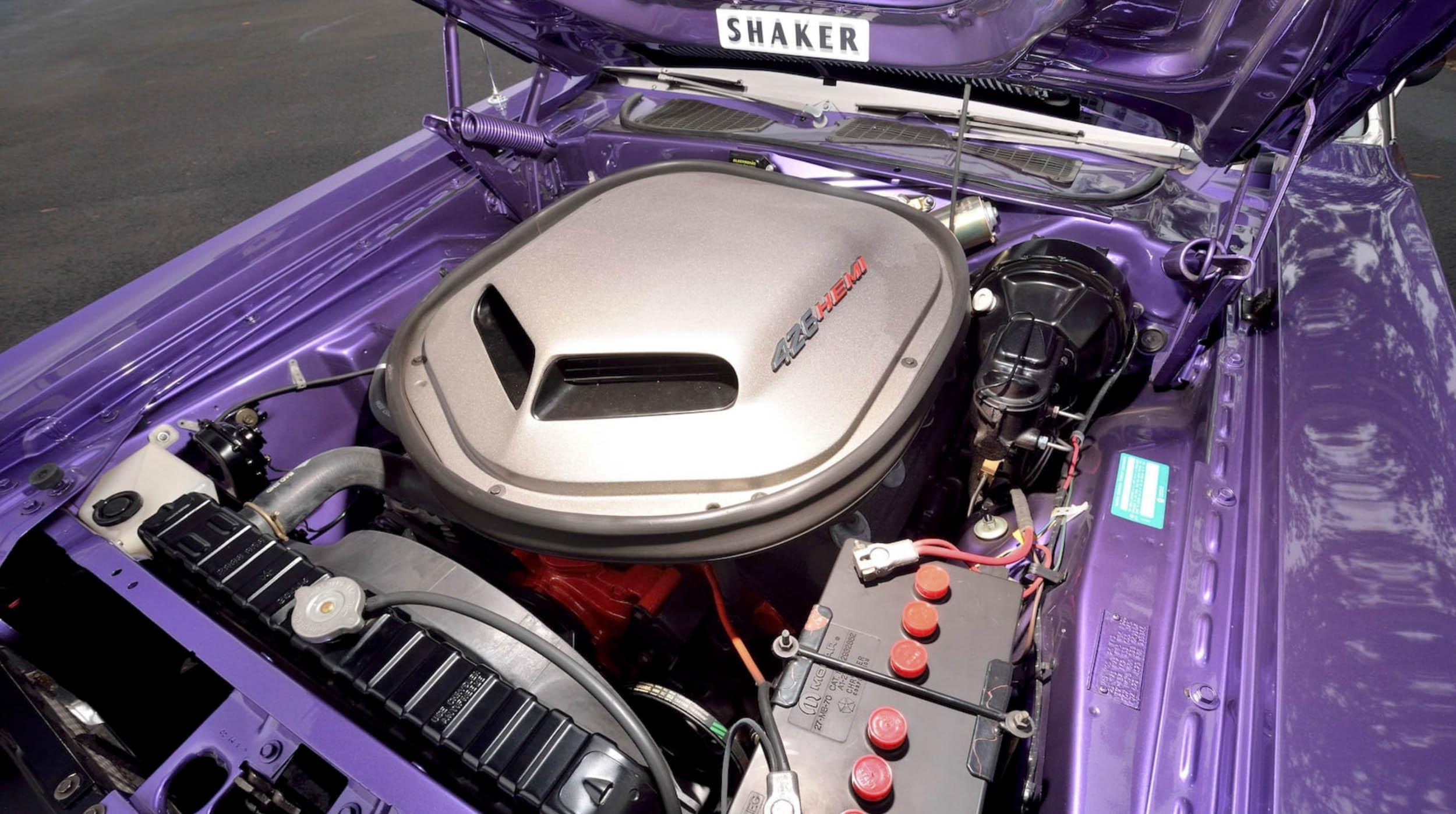 1970 Dodge Challenger plum crazy 426 Hemi