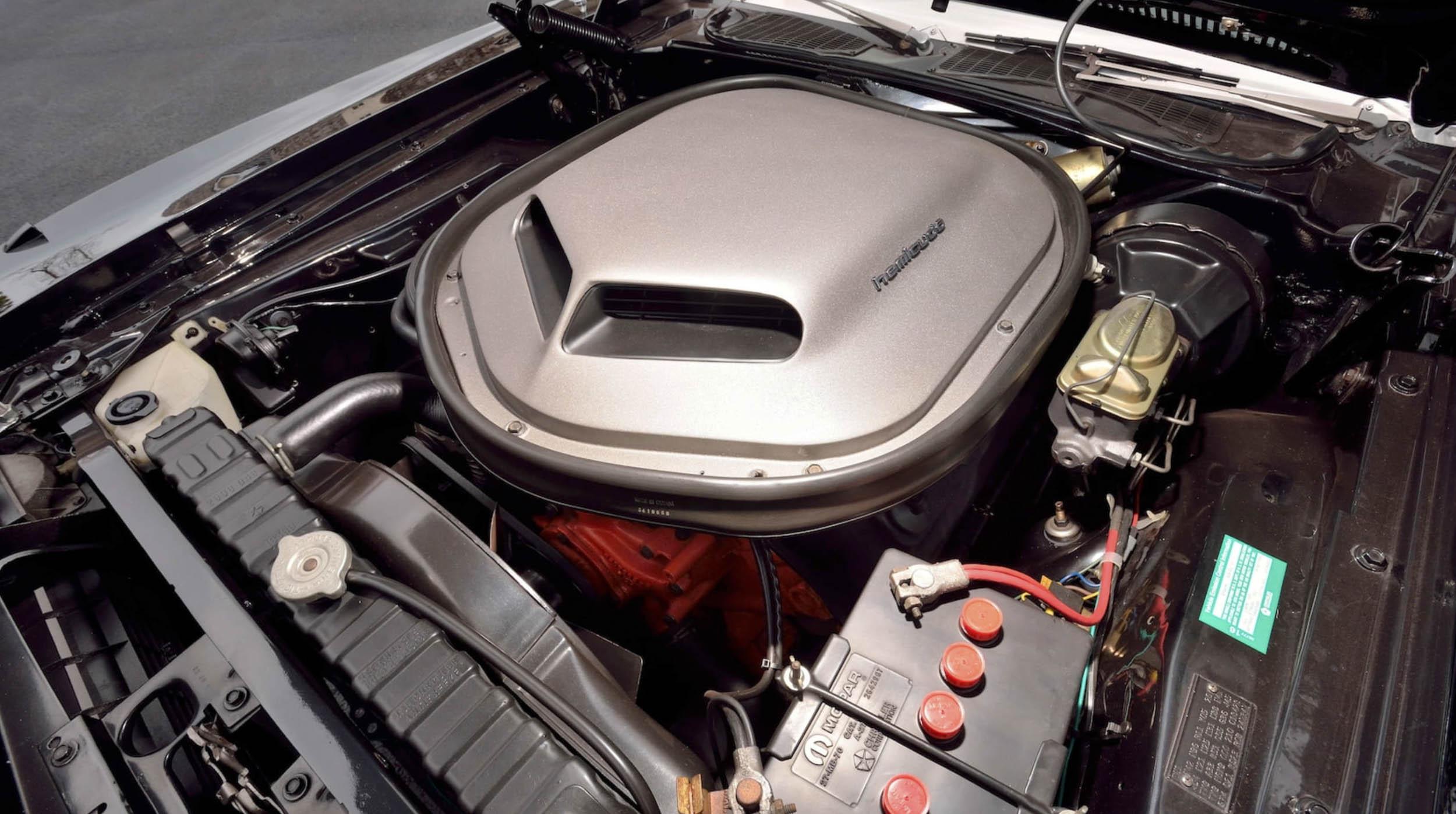 1970 Plymouth Hemi Cuda 426 engine