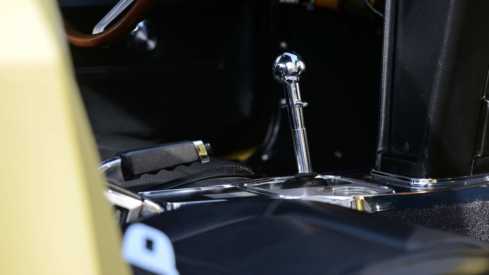 1967 Chevrolet Corvette L88 shifter