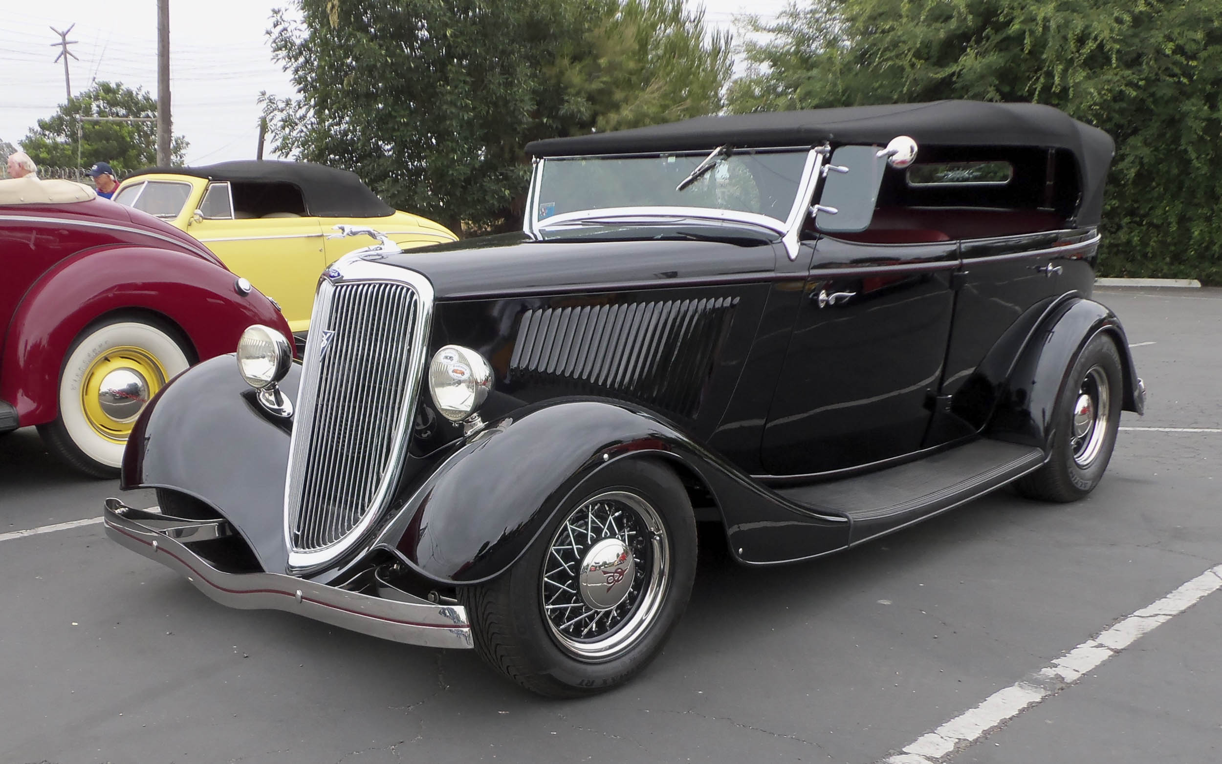 By 1934, the year this Ford phaeton was built, the whole open sedan segment was on a steep downslide. Just 3657 Ford V-8 phaetons were produced, which was slightly better than 1933's 2140, which included both V-8s and four-cylinder cars. Strangely, Australian 1933–34 Ford phaetons feature very similar bodies to their American counterparts, but share no body components as most of the inner structure is wood.