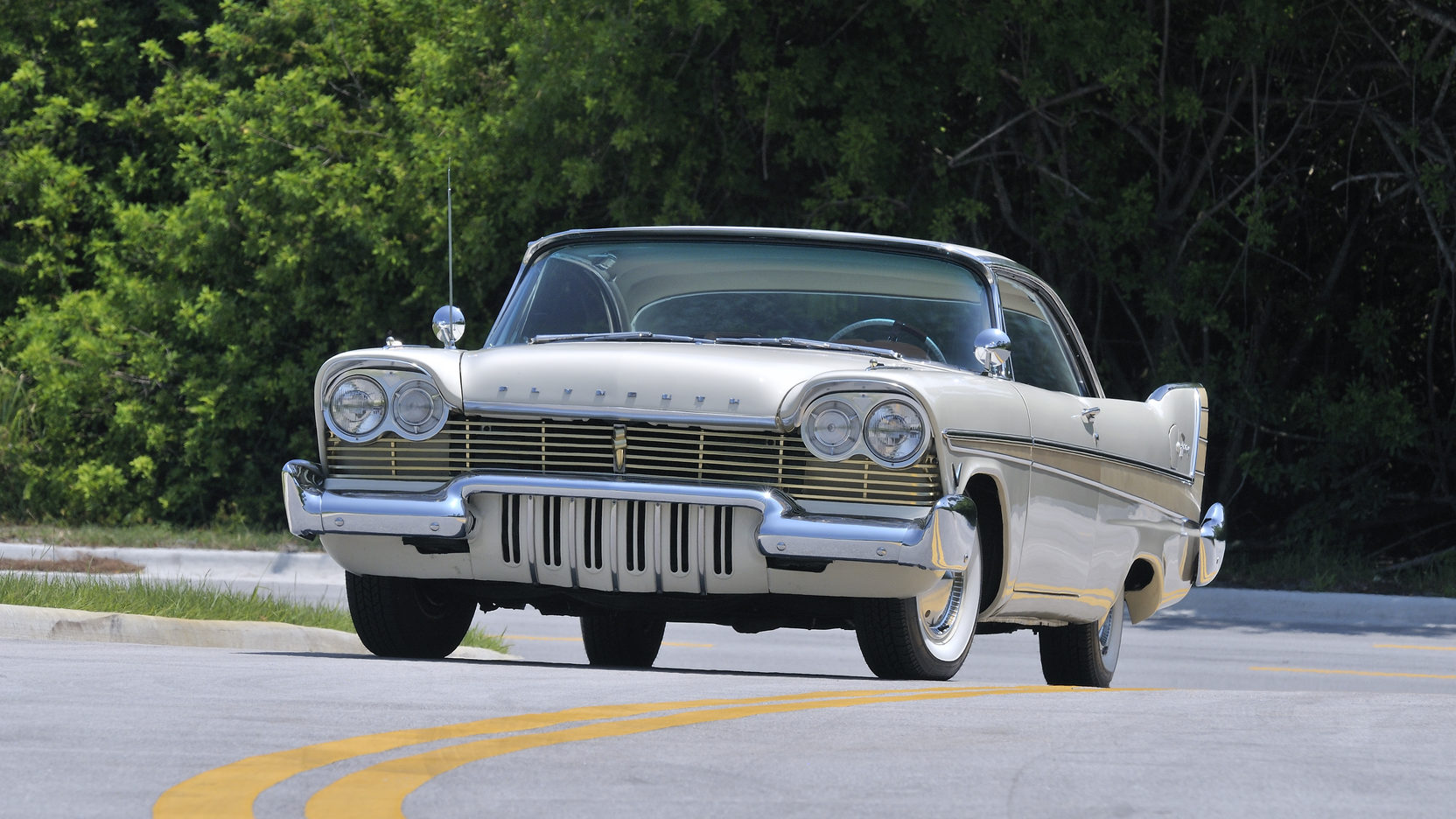 1957 Plymouth Fury V-800