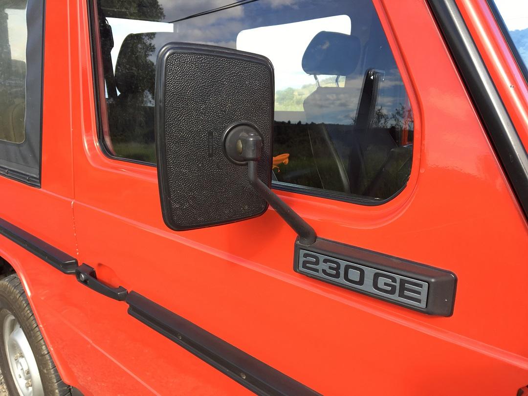 Mercedes-Benz G-wagen red door and mirror