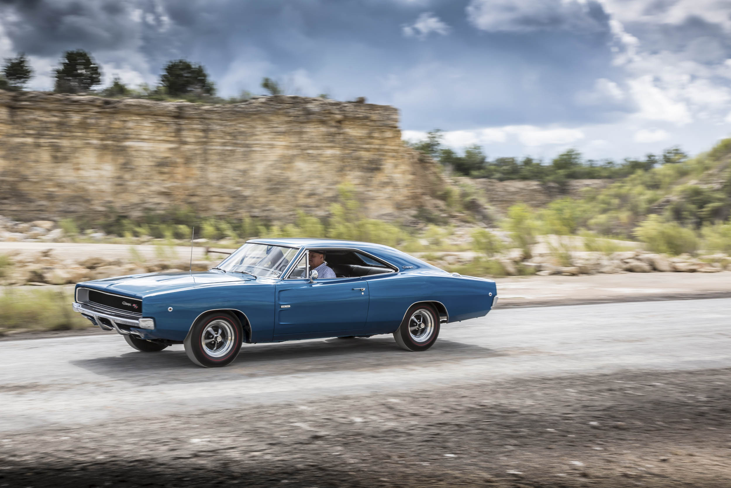 1968 Dodge Charger R/T driving profile