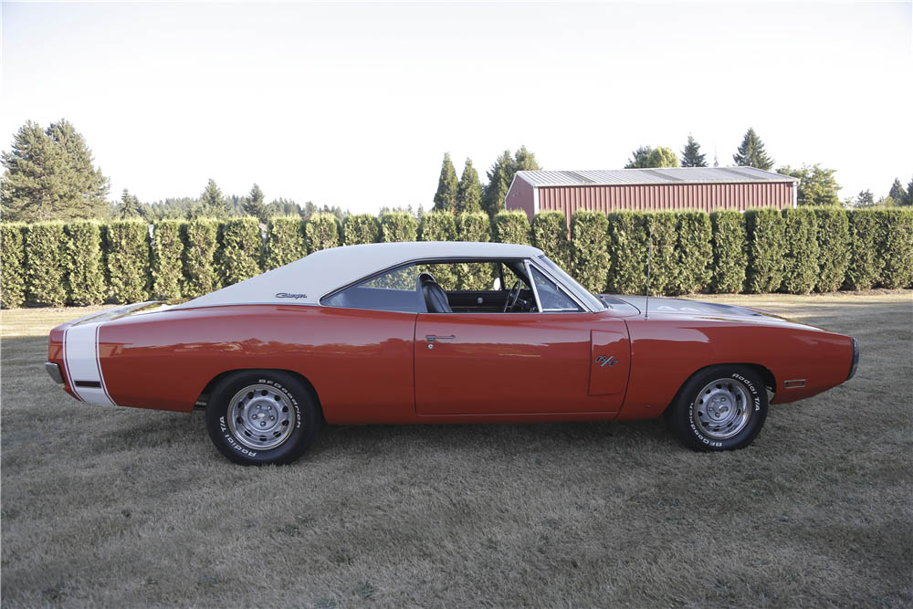 1970 Dodge Charger R/T profile
