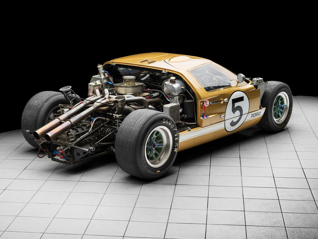 1966 ford gt40 internal pipes and engine