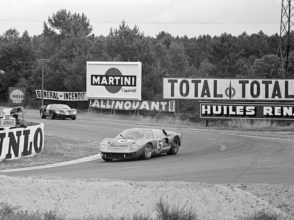 1966 ford gt40 racing