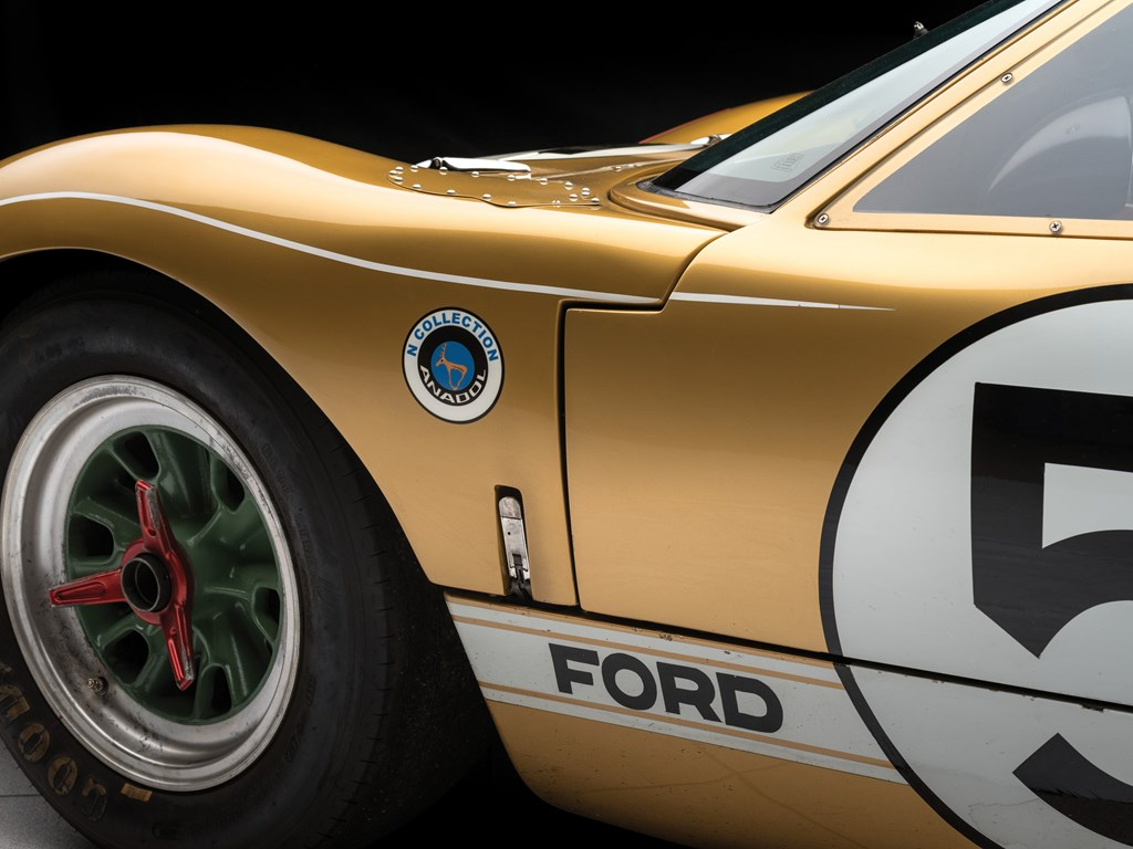 1966 ford gt40 front side