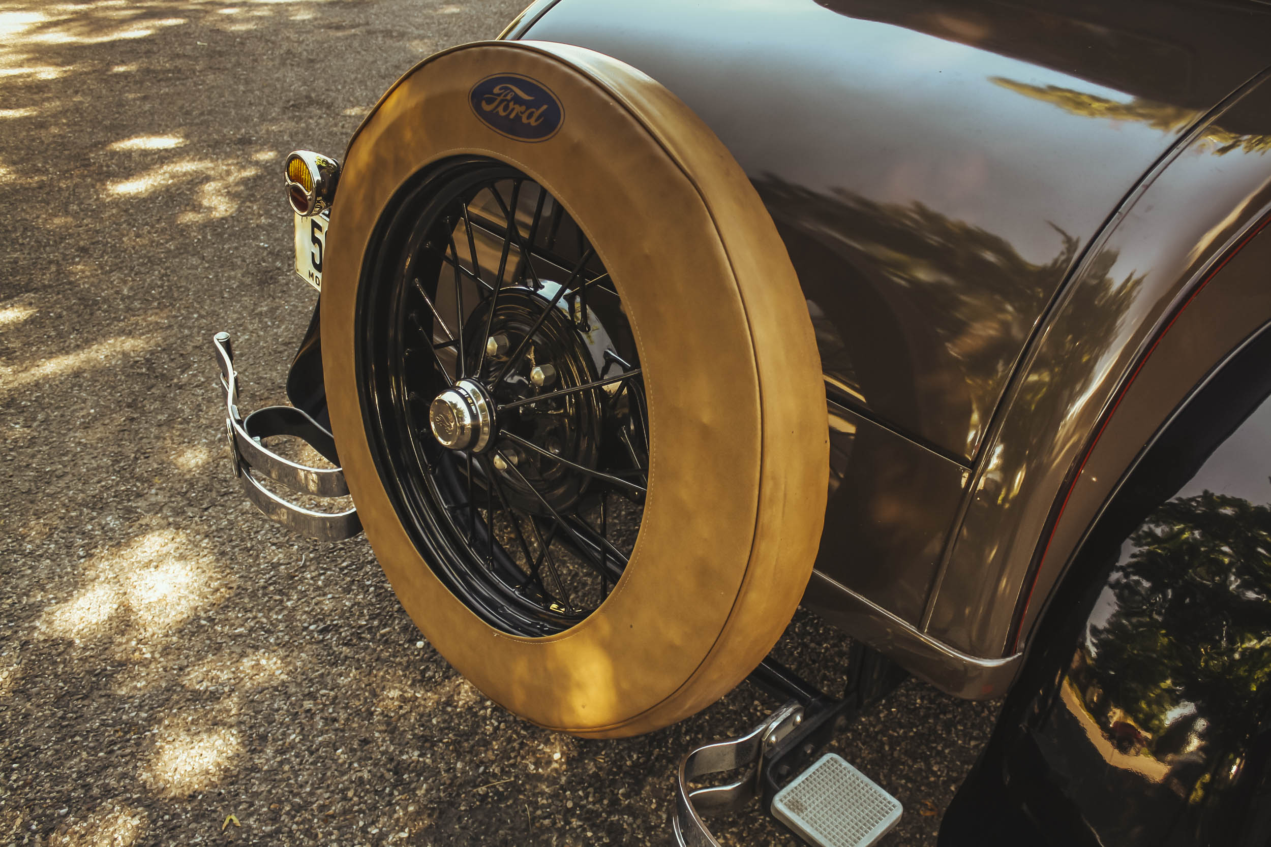 1929 ford model a business coupe spare tire