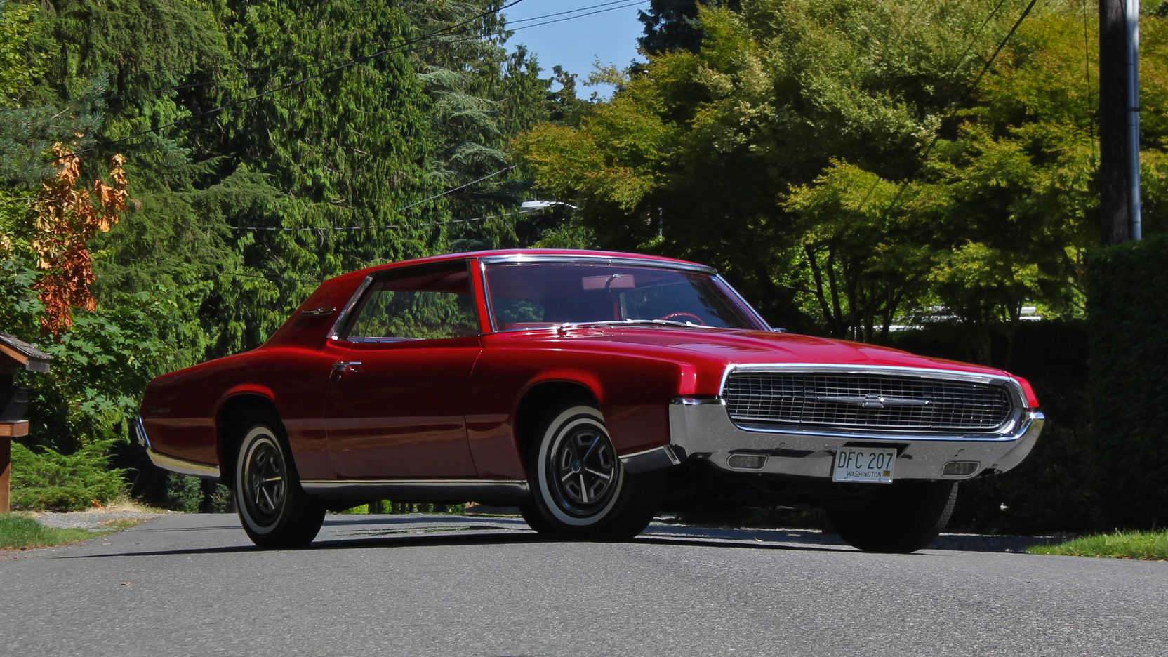 1967 Ford Thunderbird front 3/4
