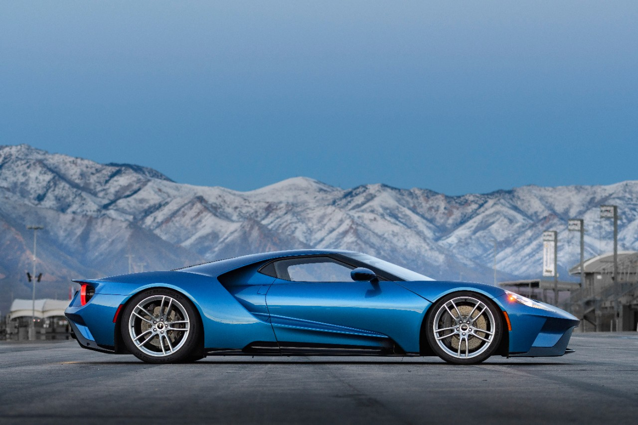 2017 Ford GT Side profile