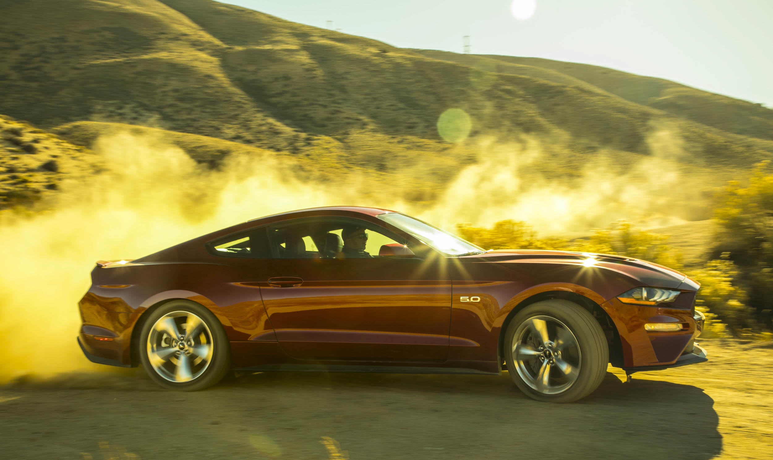 2018 Ford Mustang GT kicking up dirt