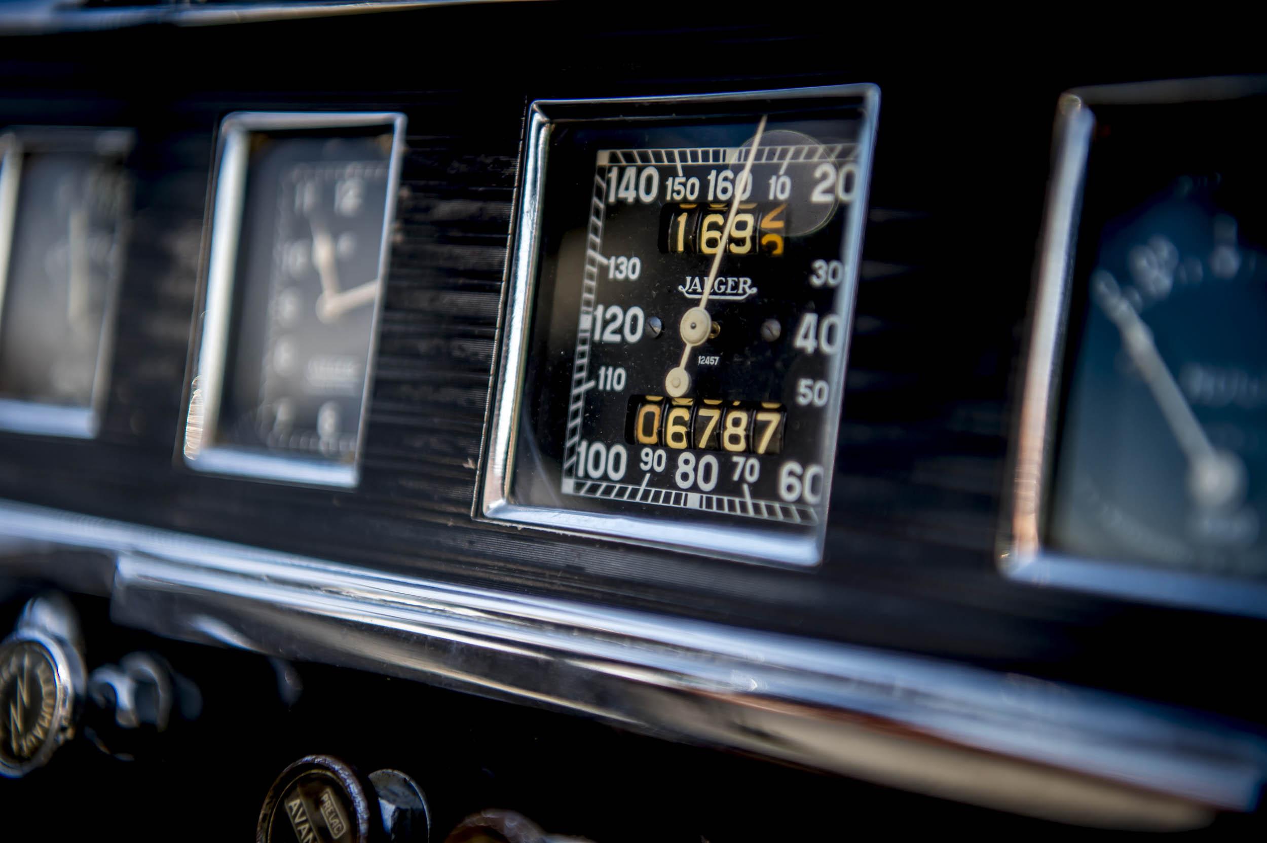 1929 renault nervastella coupe de ville dashboard