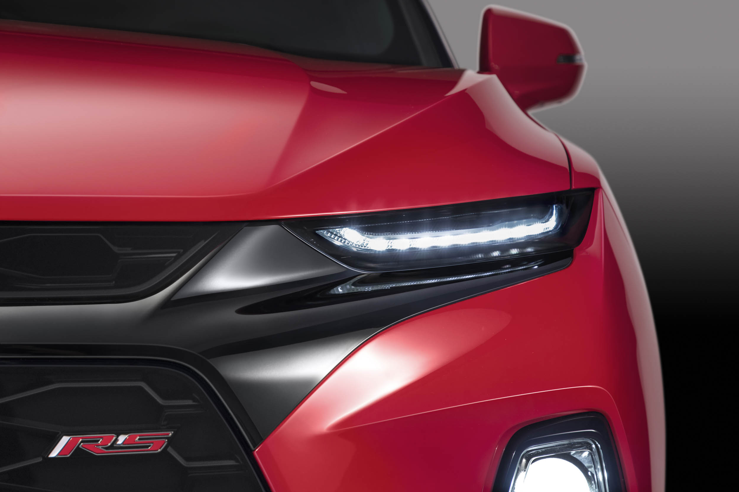2019 Chevrolet Blazer front headlight detail