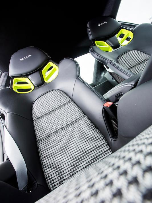 porsche houndstooth interior seats
