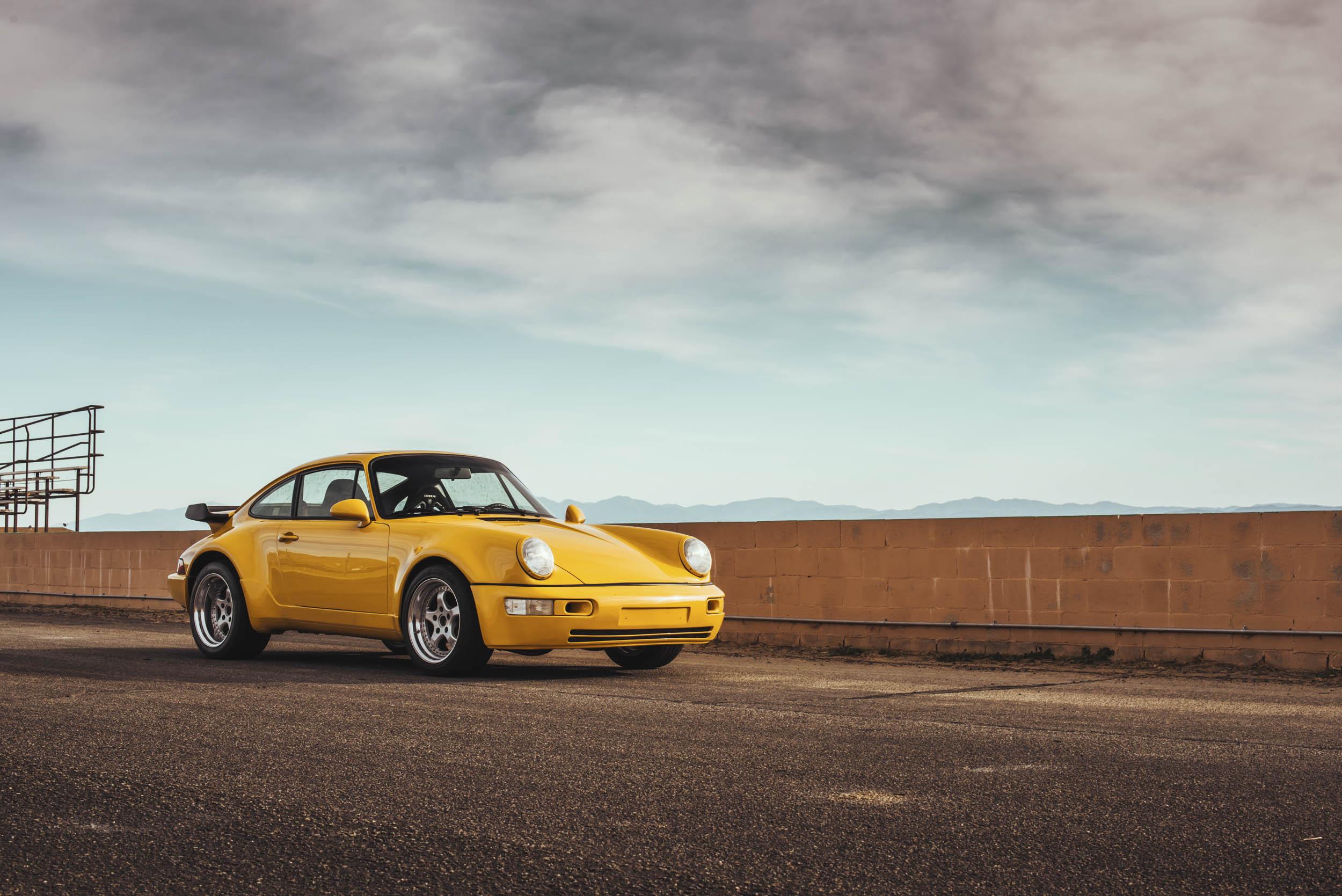 1975 Porsche 911 front 3/4